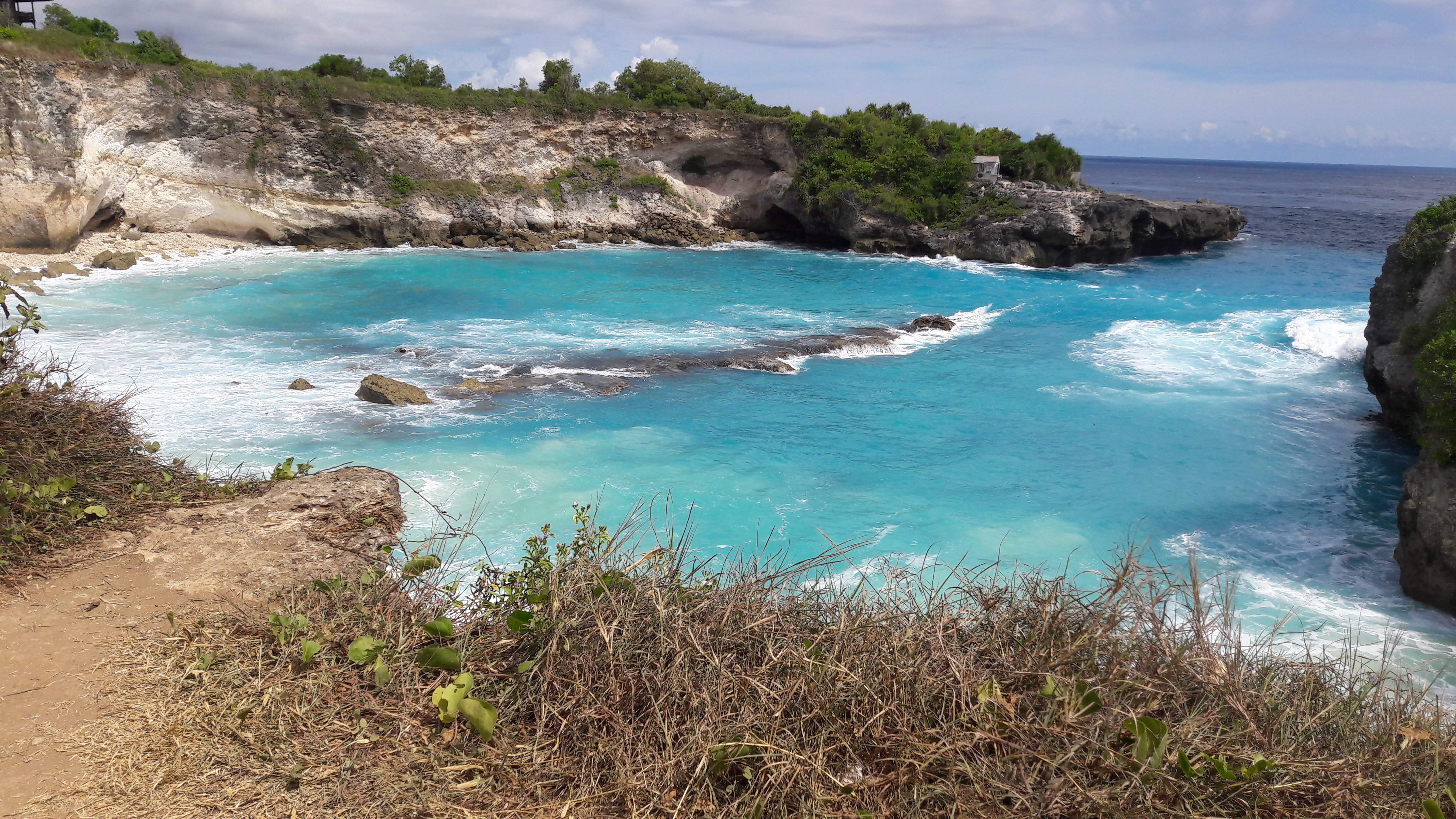 File:Blue Lagoon,Nusa Lembongan-Bali.jpg - Wikipedia