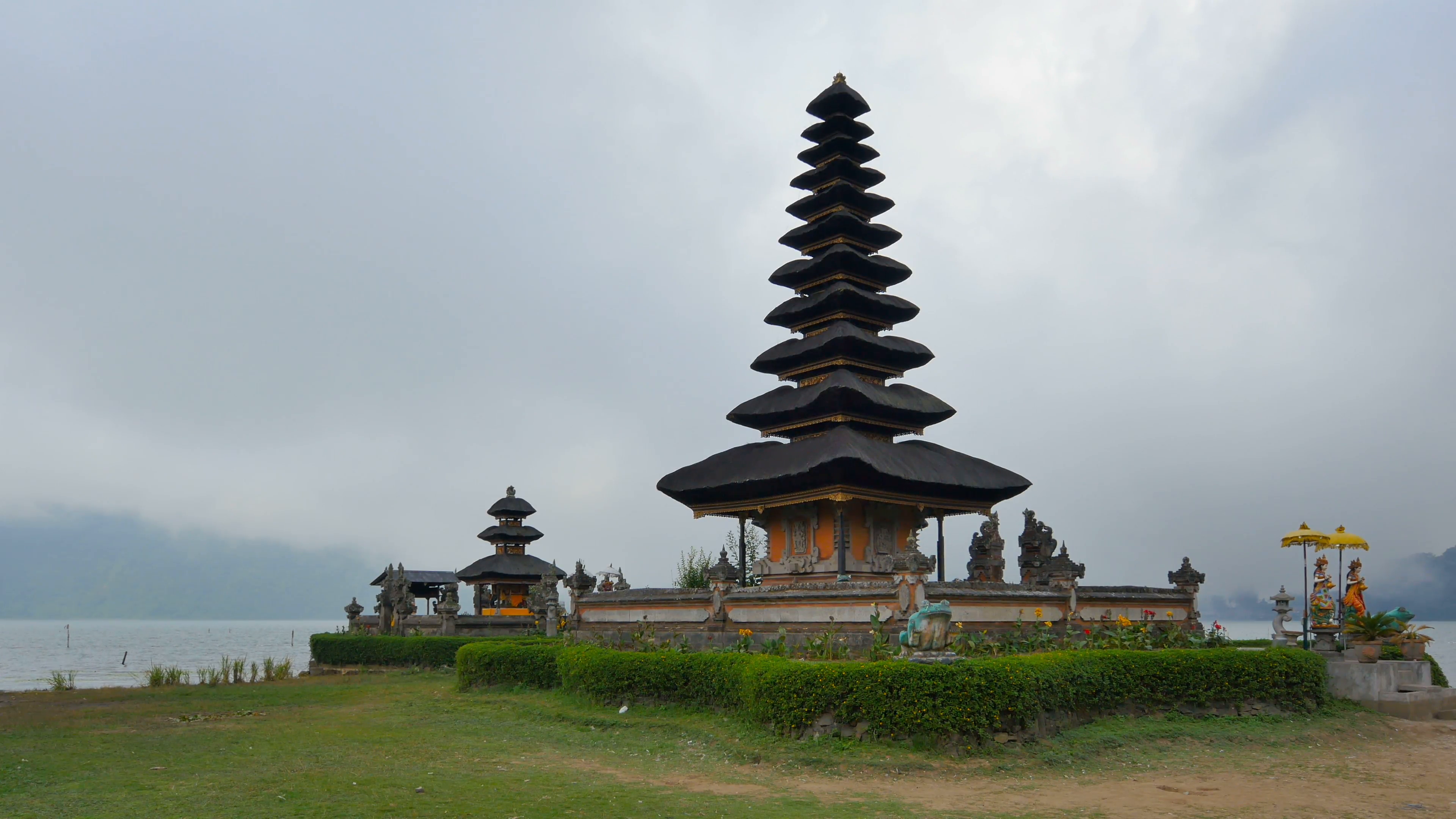 Holy water temple Pura Ulun Danu Bratan , Bedugul Mountains, Bratan ...