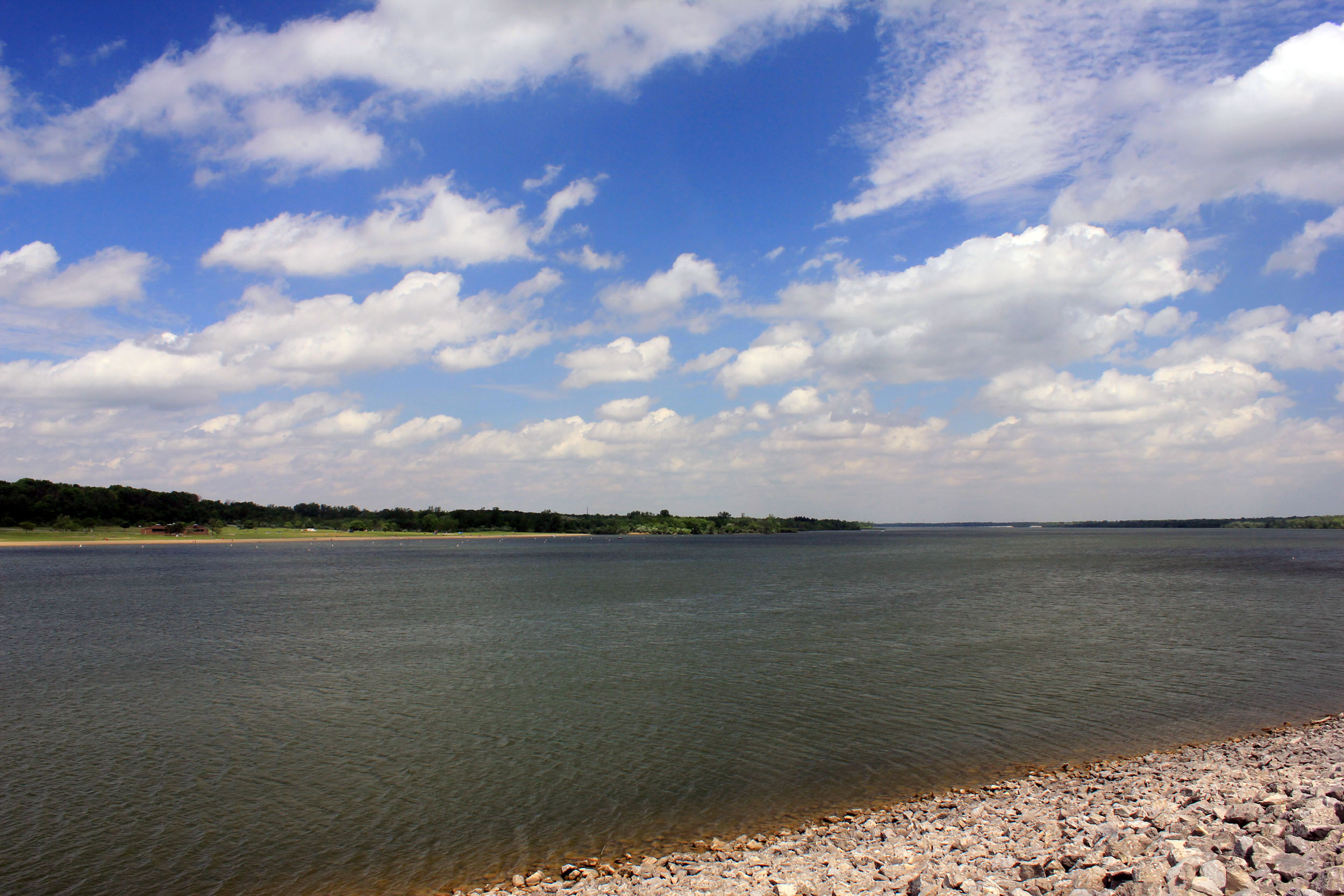 File:Gfp-ohio-alum-creek-state-park-another-view-of-lake-and-sky.jpg ...