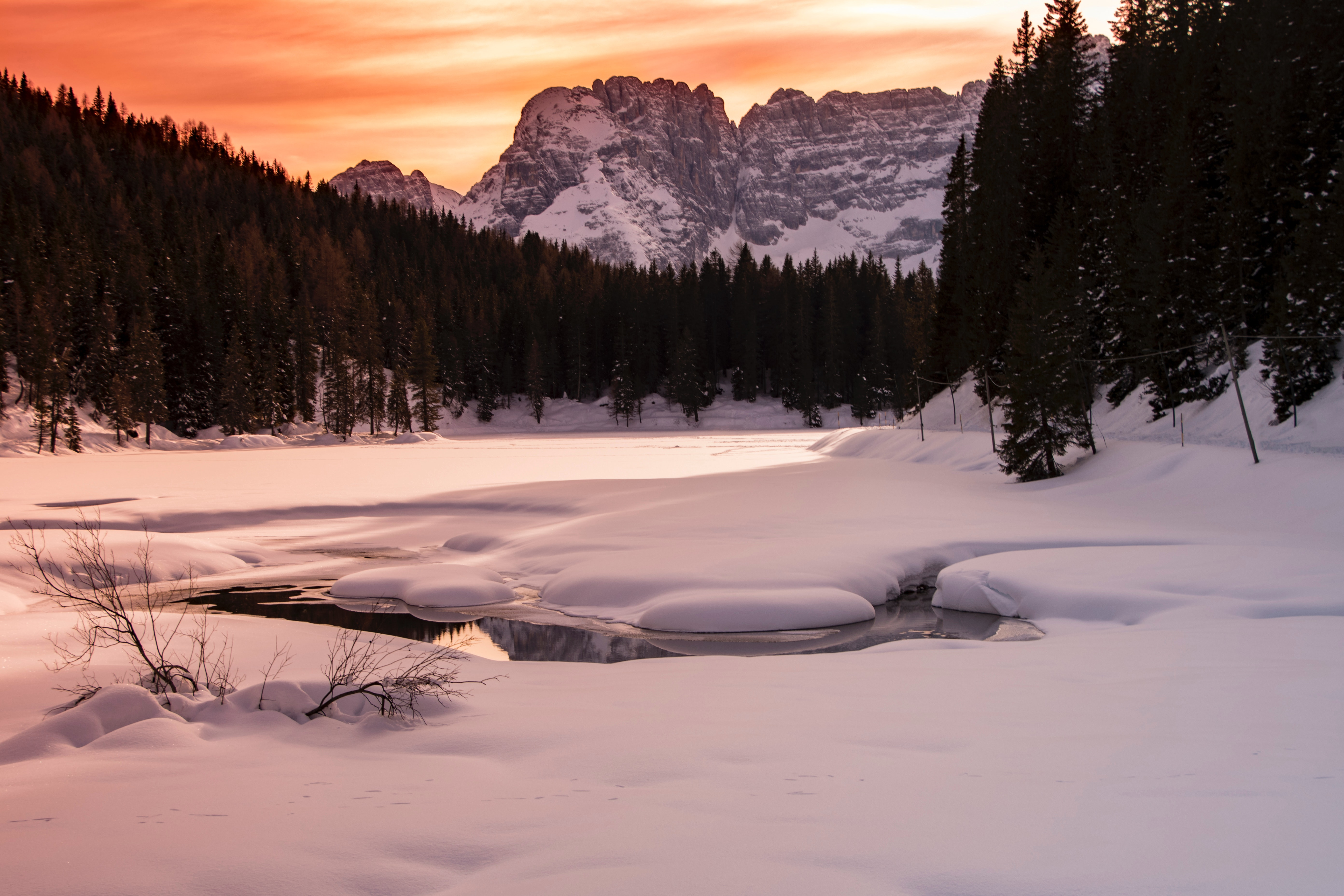 Landscape Photography Of Body Of Water Covered With Snow And Surrounded With Trees And Mountain, Cold, Scenic, Winter, Weather, HQ Photo
