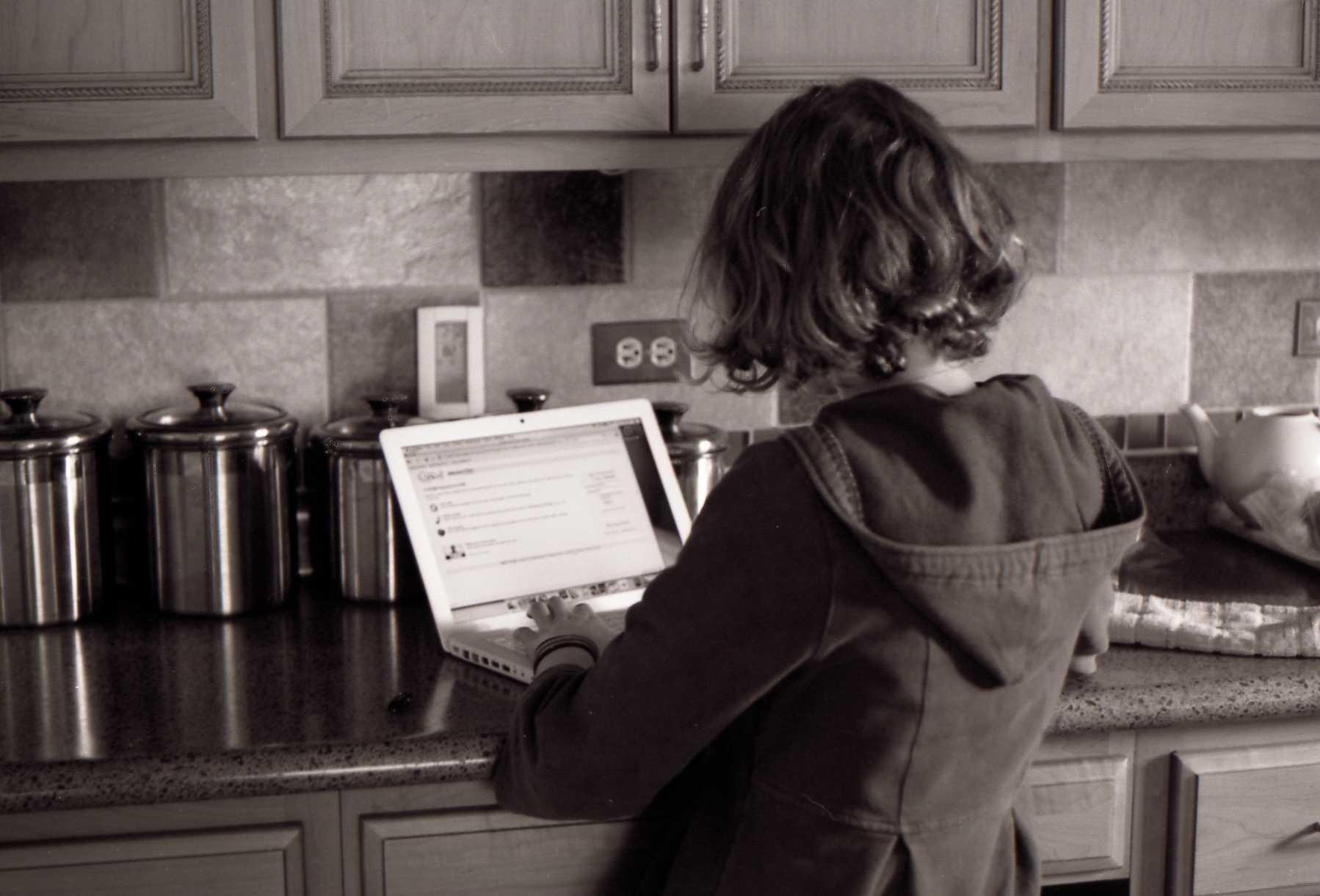Laptop girl photo