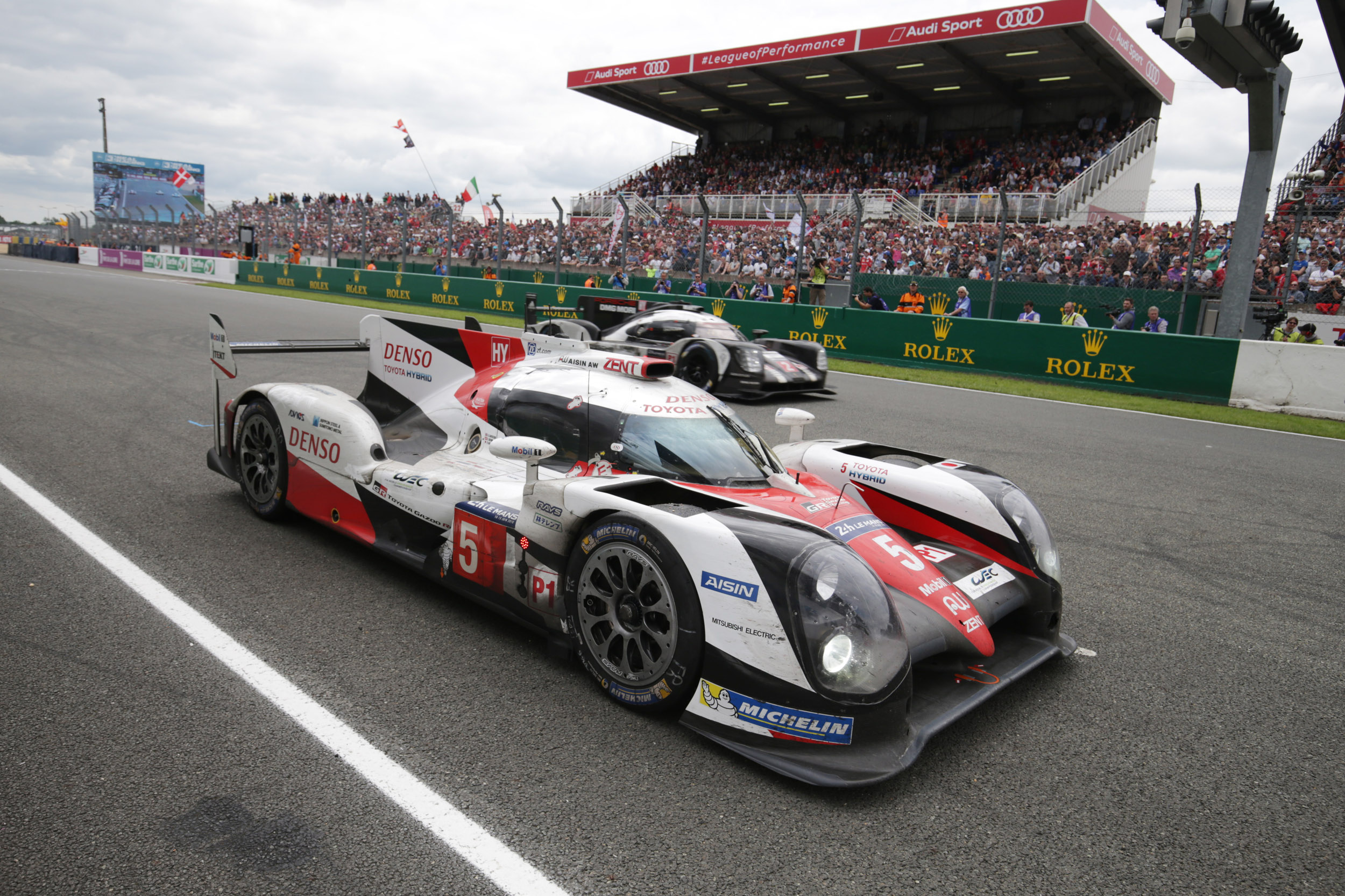 How Toyota lost the 2016 Le Mans 24 Hours on the last lap | Evo