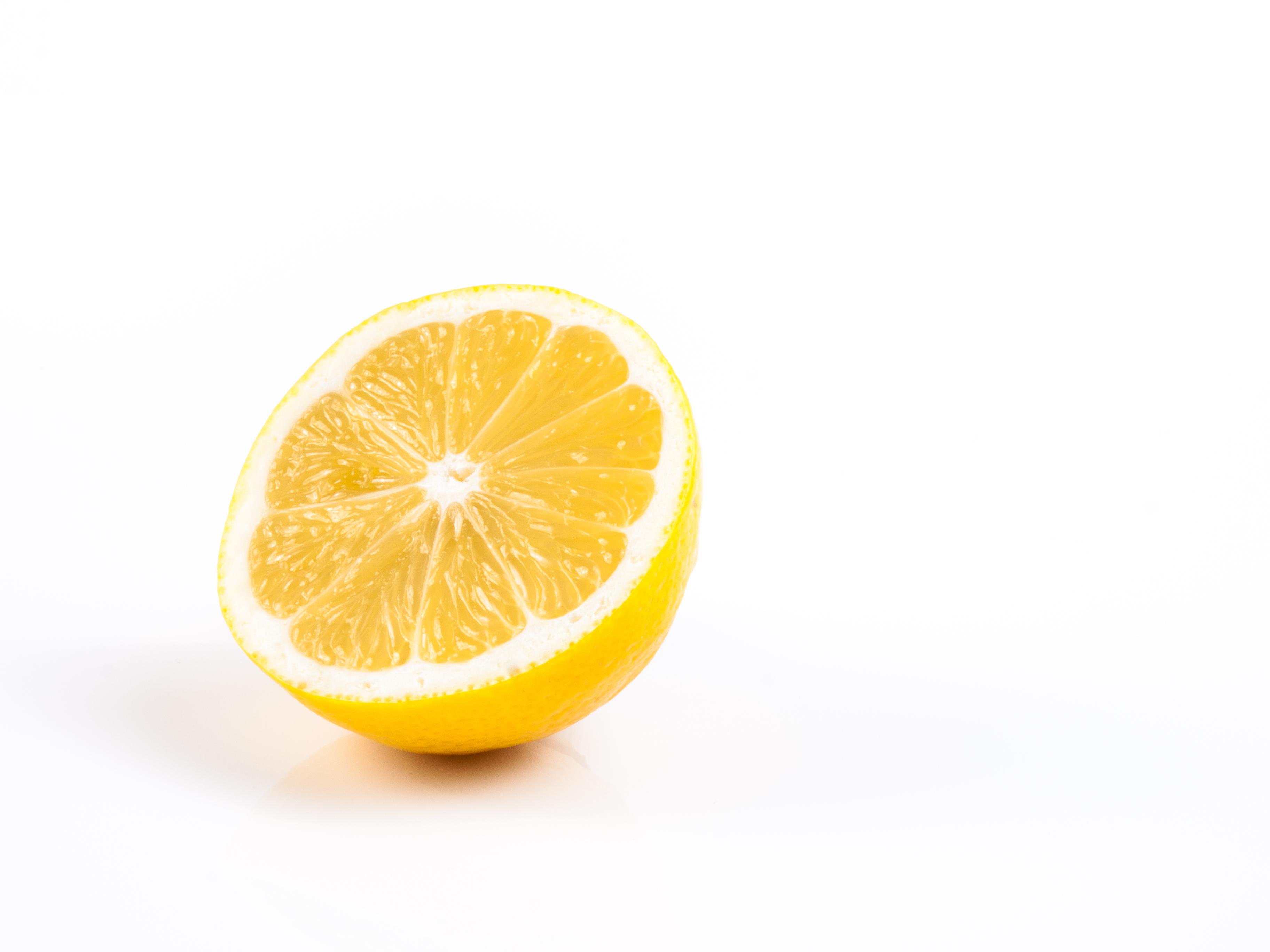 File:Lemon (11782413744).jpg - Wikimedia Commons