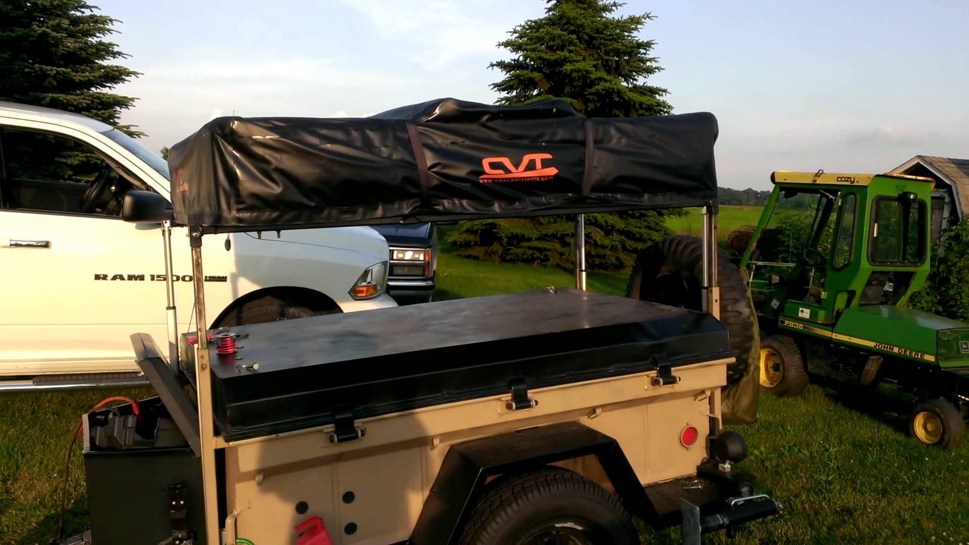 Power lift on expedition trailer - YouTube