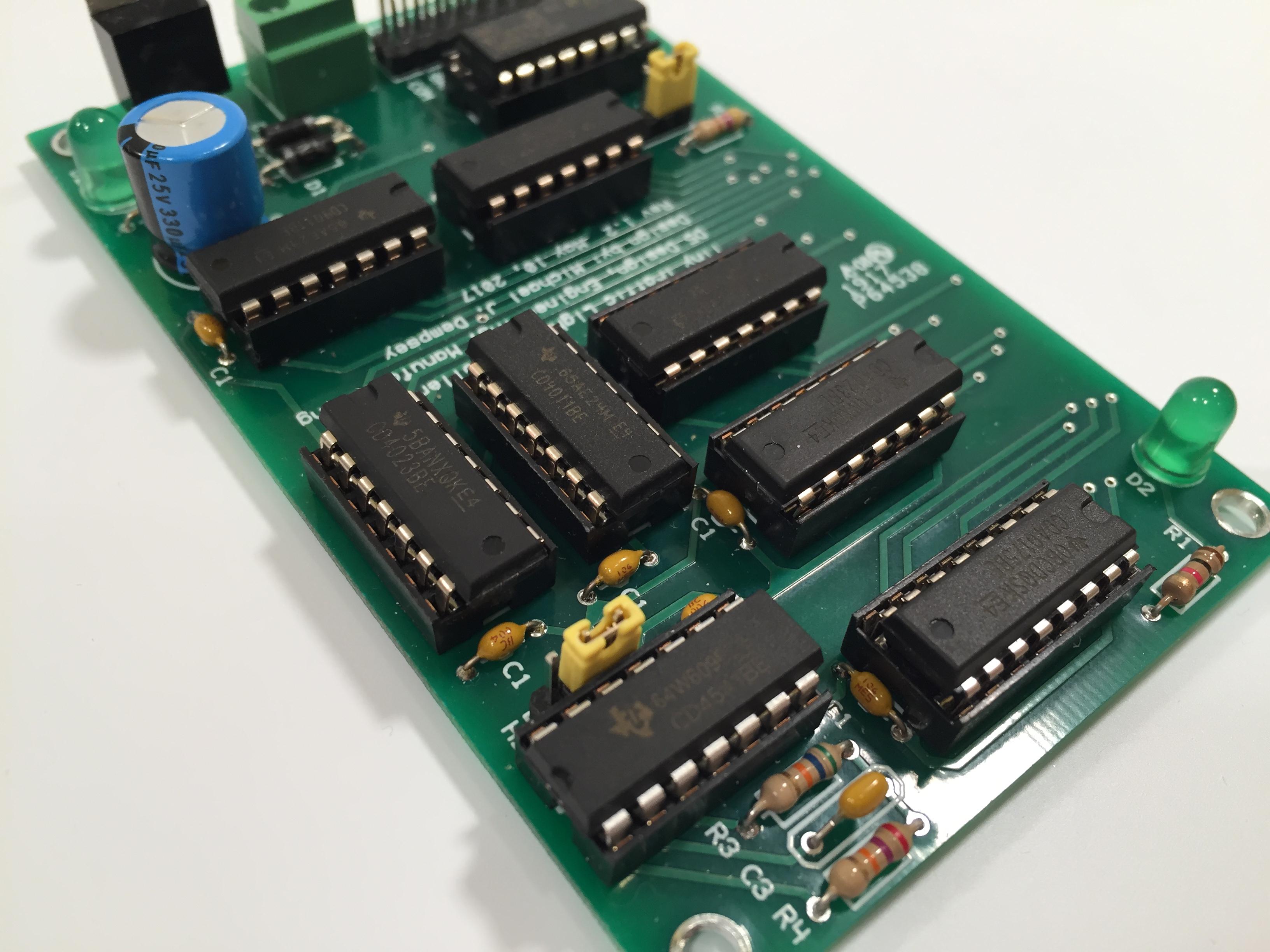 Tiny Traffic Light Controller – D5 DEM