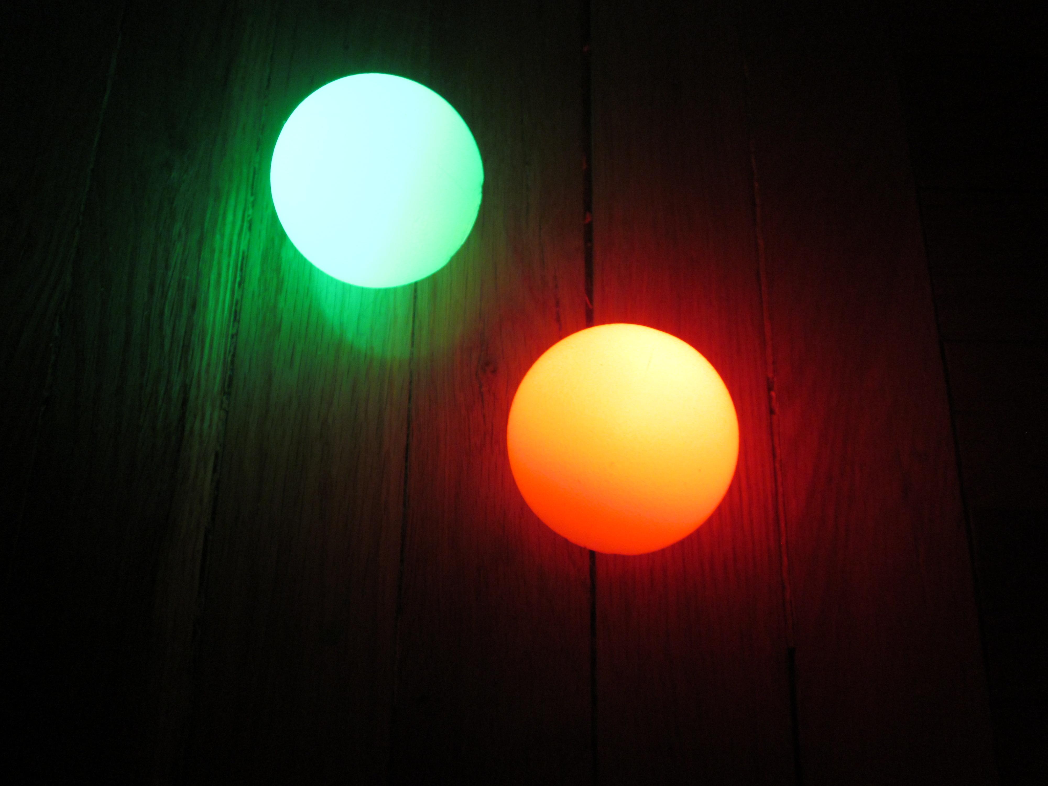 light effects juggling balls | Wild Juggling