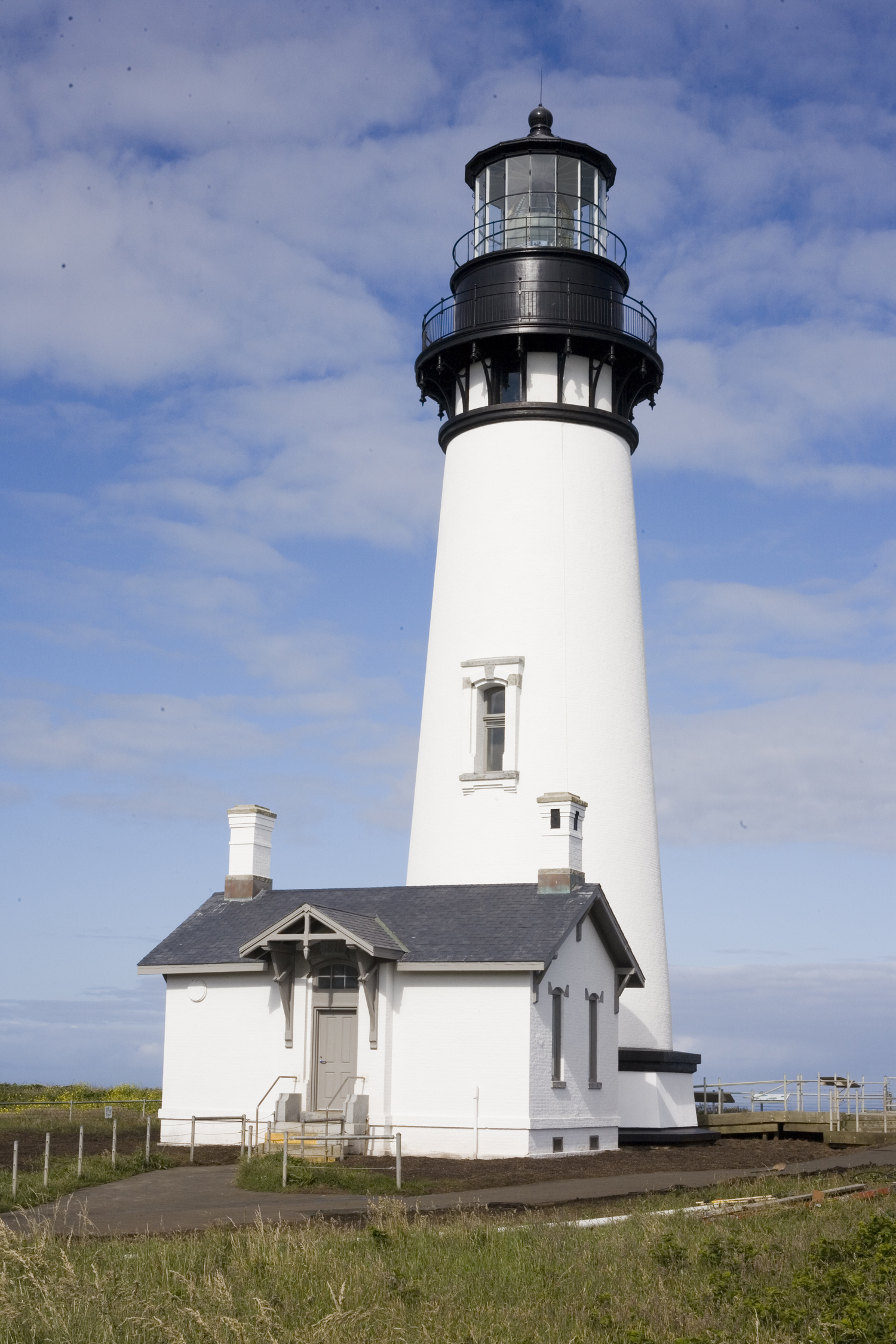Yaquina Head Lighthouse | Oregon Coast Arts