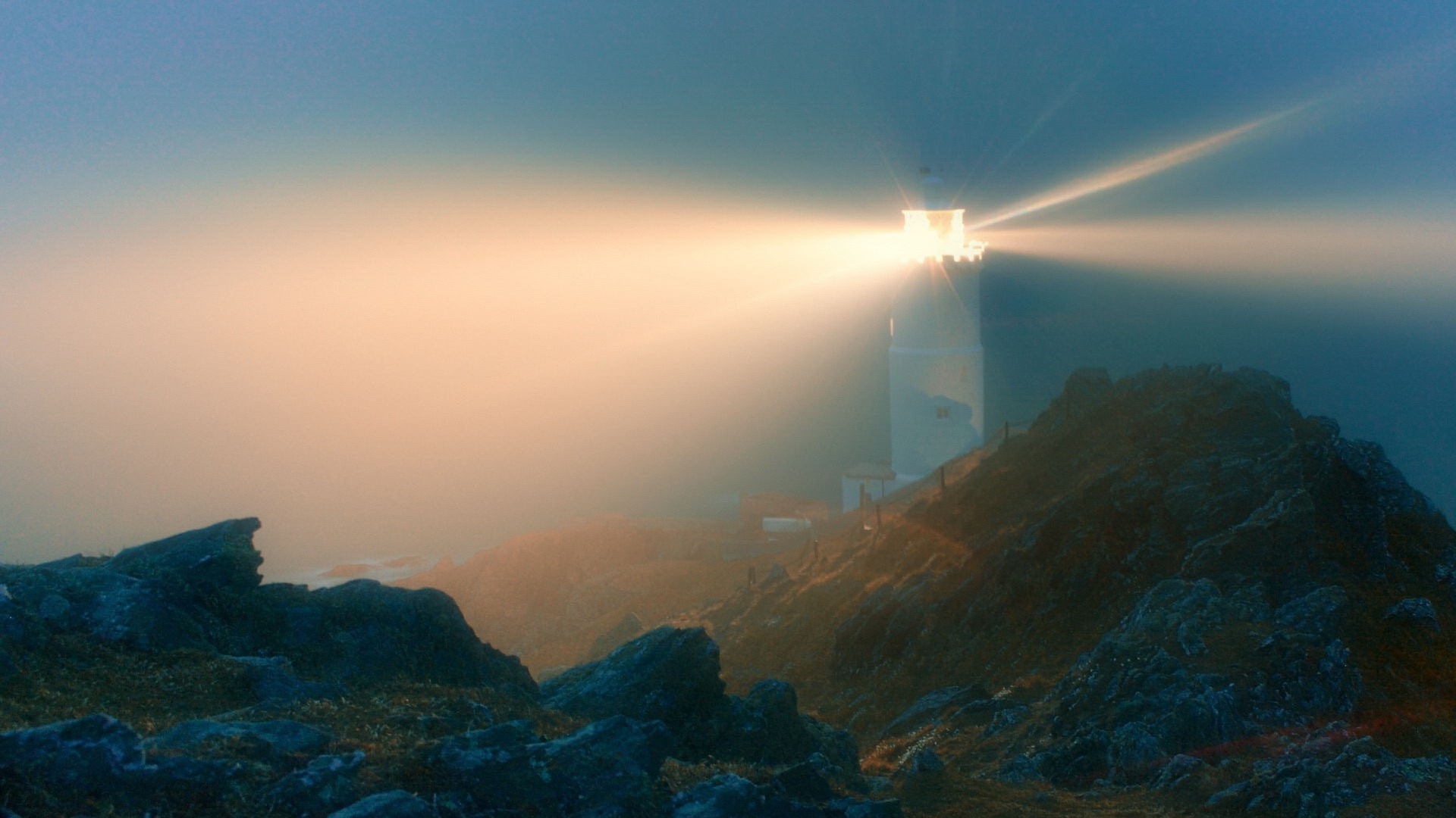 Lighthouses: Glowing Lighthouse Fog Light Rocks Free Wallpapers for ...