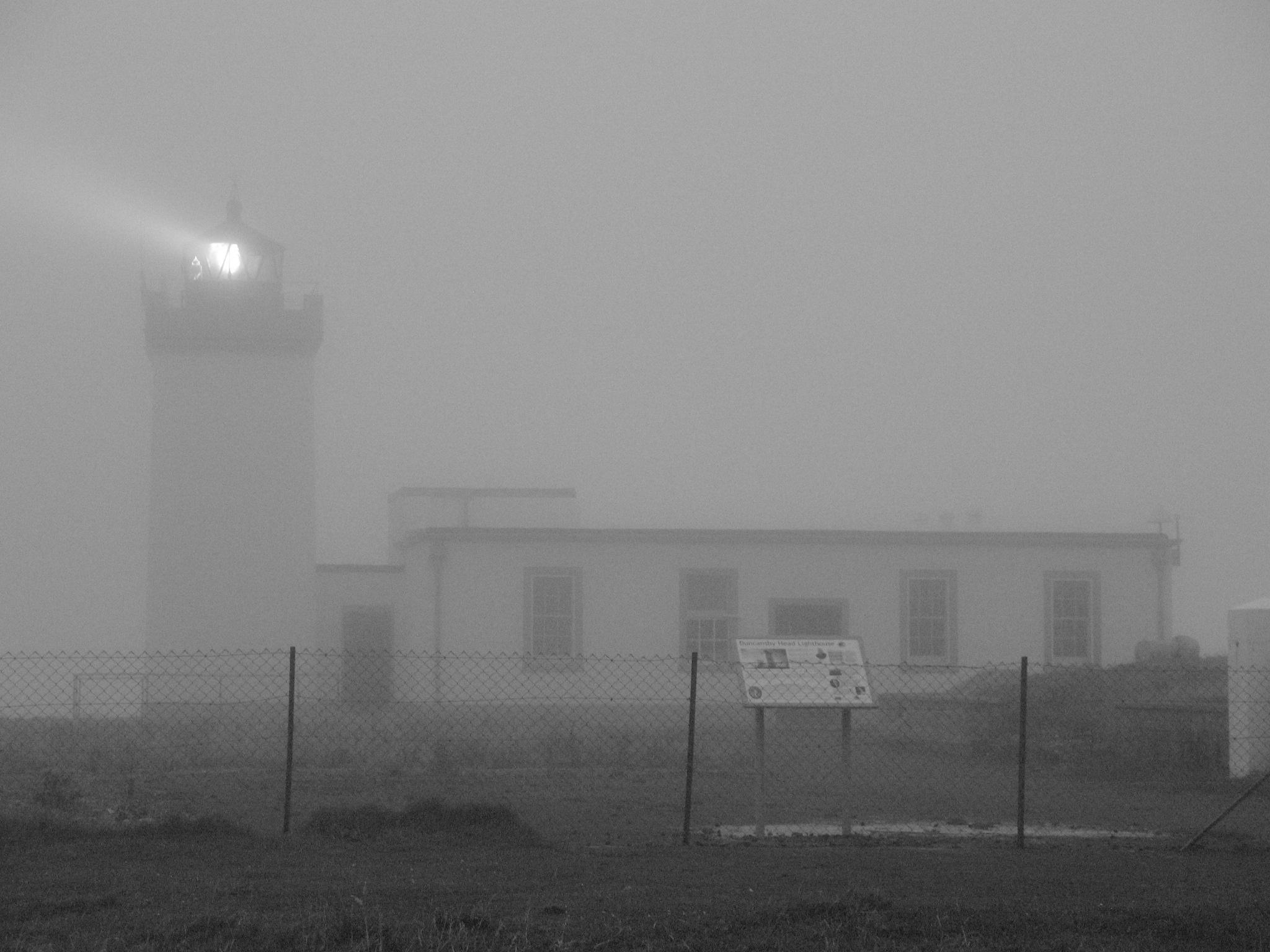 File:John o'Groats lighthouse fog 1.jpeg - Wikimedia Commons