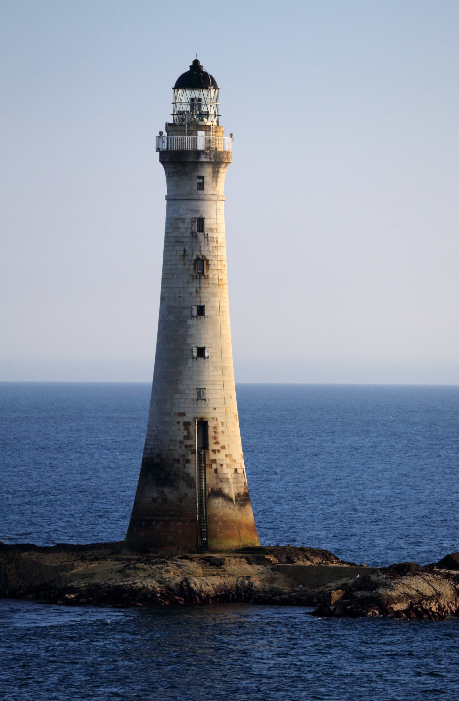Lighthouse rock photo