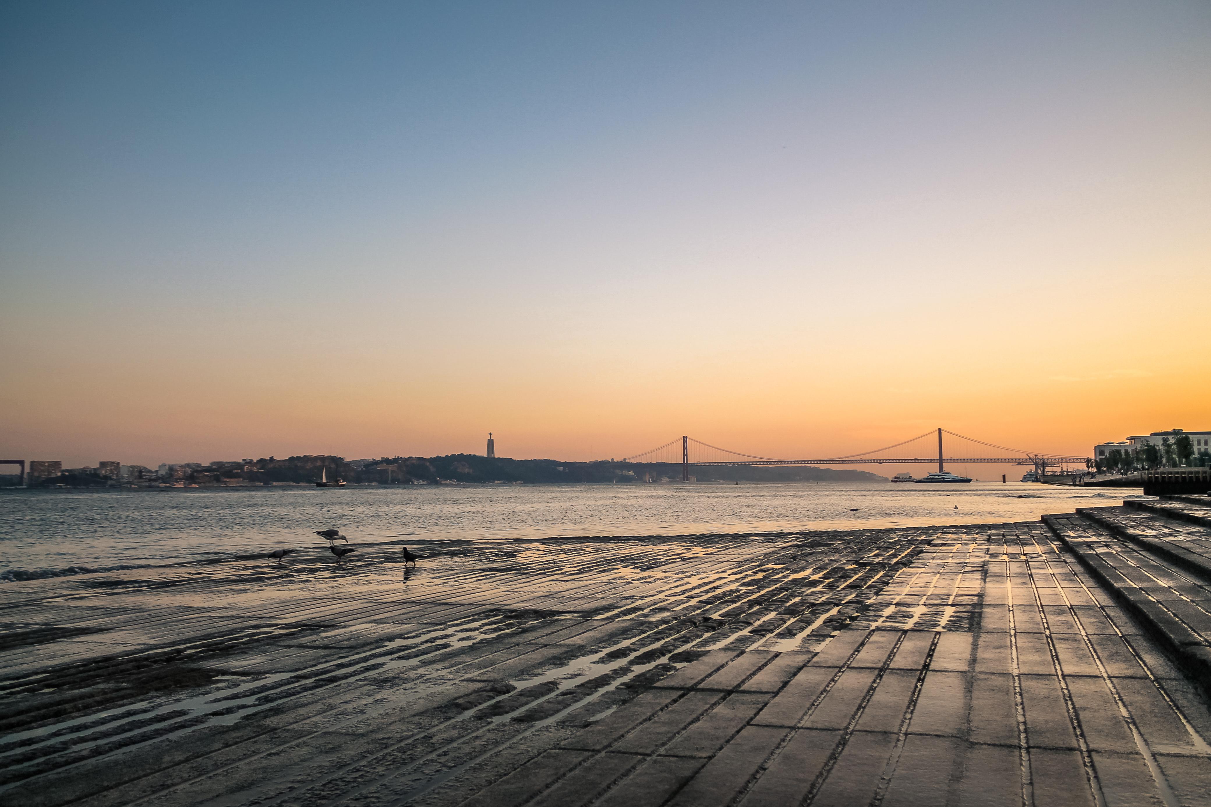 Lisbon river side at sunset, river, riverside, sailing, red, HQ Photo