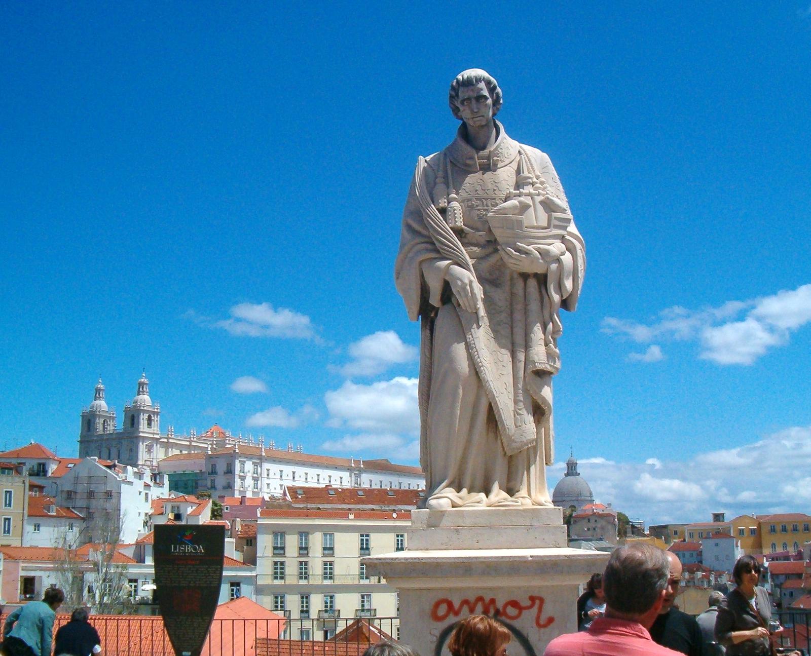 File:Lisbon, statue of Saint Vincent.jpg - Wikimedia Commons