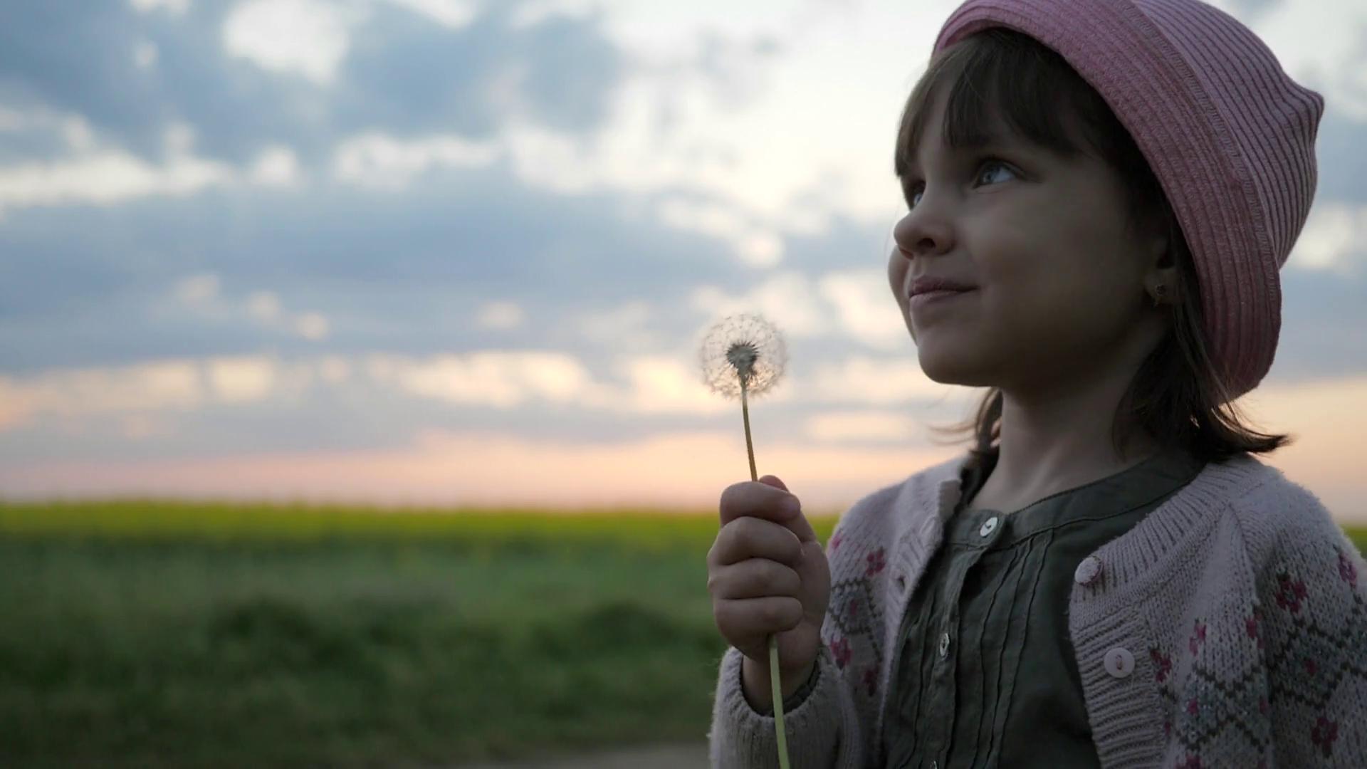 Blow Dandelion Portrait Cute Child Girl, Female child blowing In ...