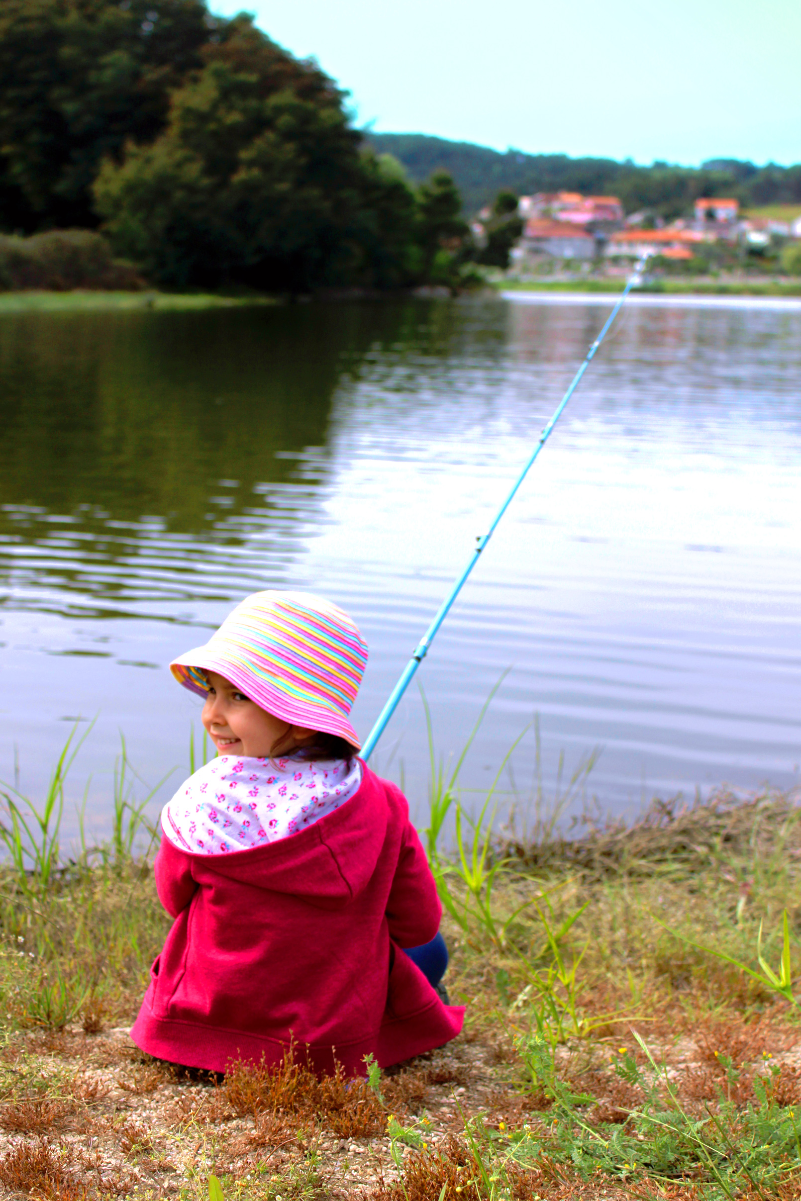 Little girl fishing and smiling, Activities, River, Nature, Outdoor, HQ Photo