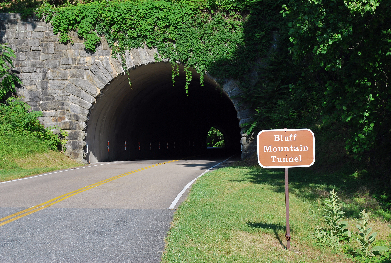 Blue Ridge Parkway tunnels - Wikiwand