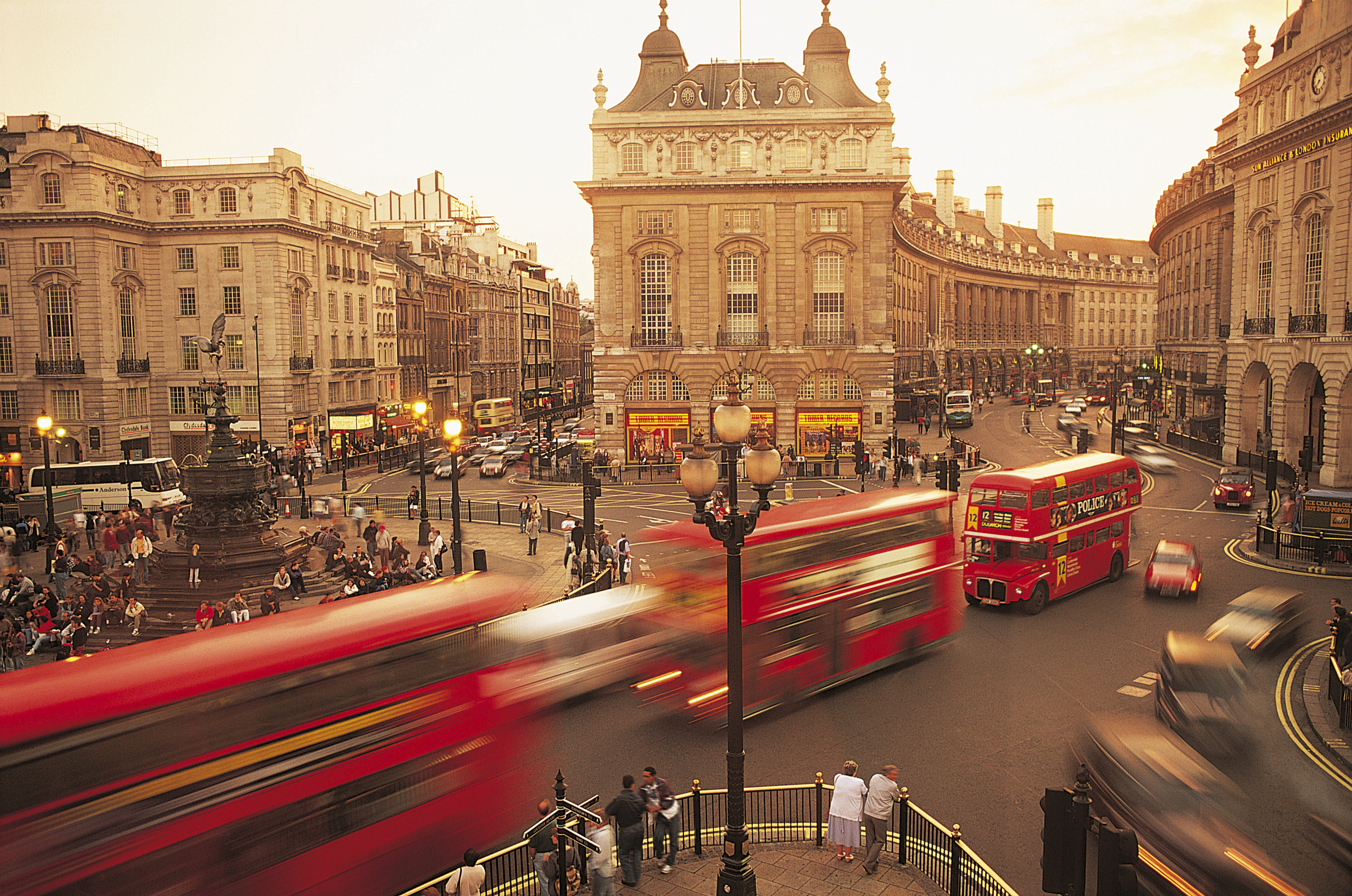Fly direct to London City | Tickets - SUN-AIR of Scandinavia