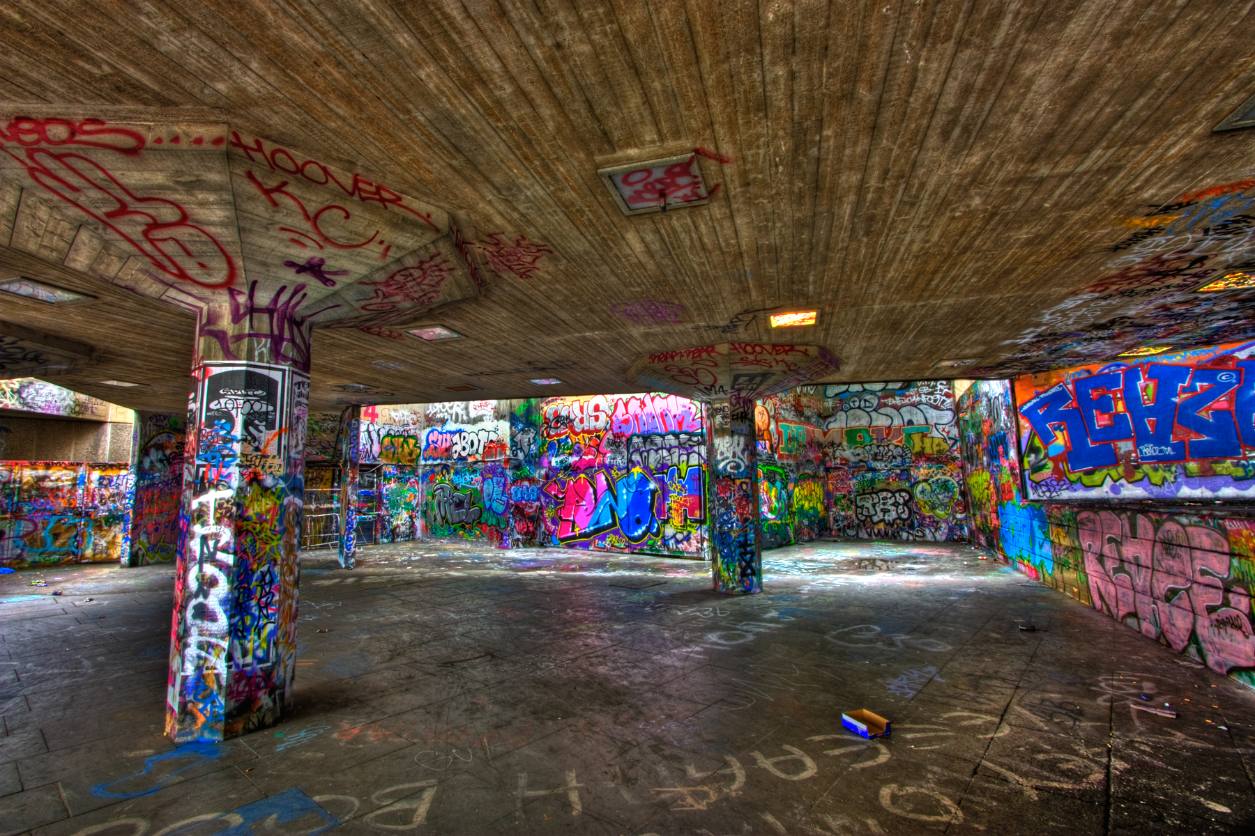 London graffiti - hdr photo