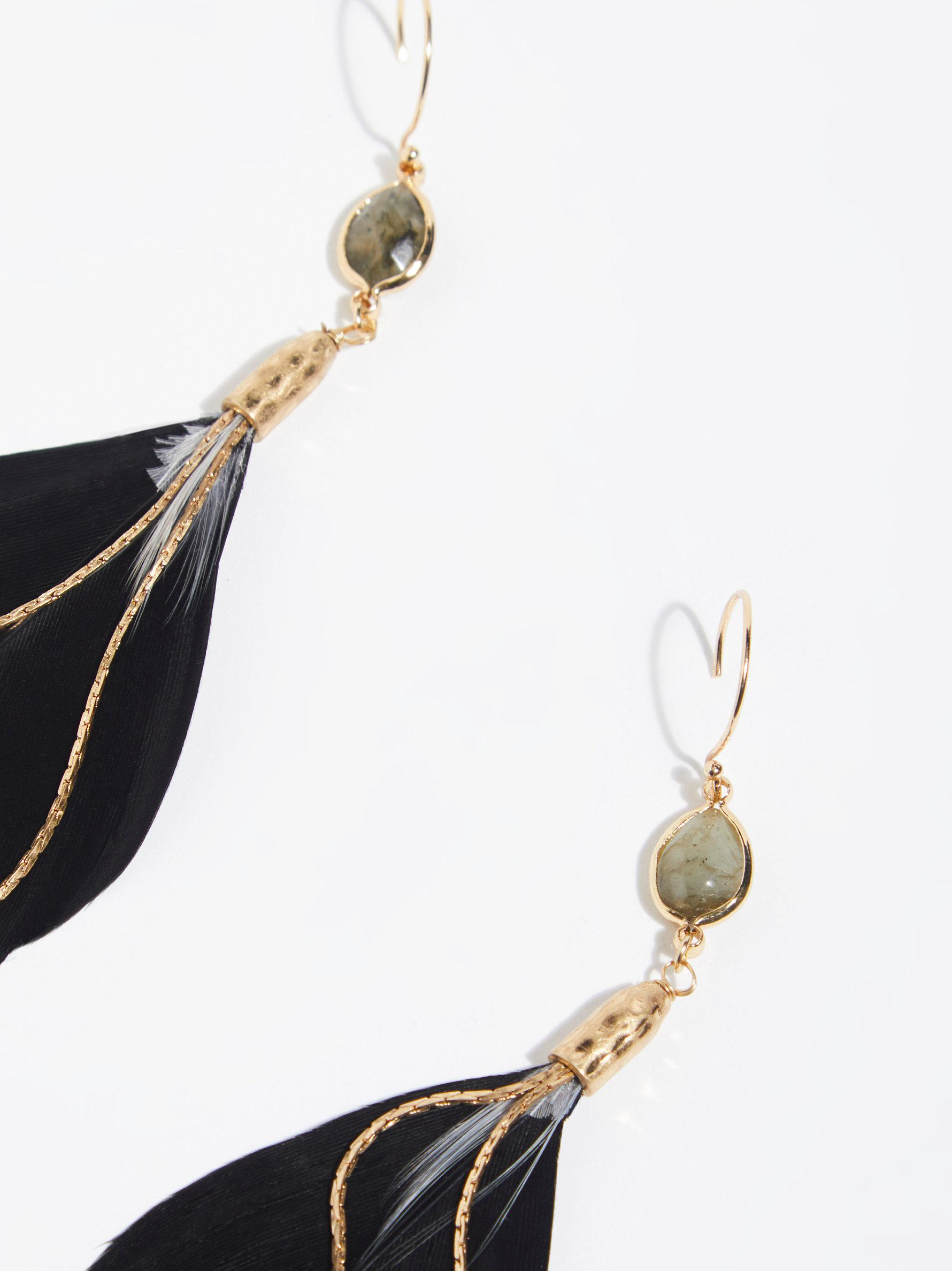 Lyst - Free People Lone Feather Earring in Black