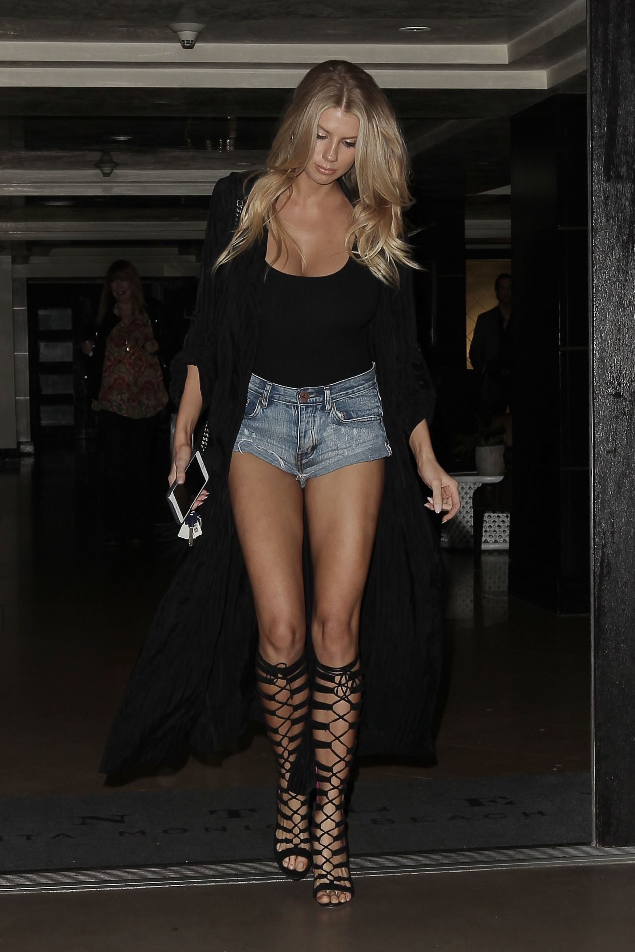 Charlotte McKinney Shows Off Her Long Legs - Leaves a Restaurant in ...