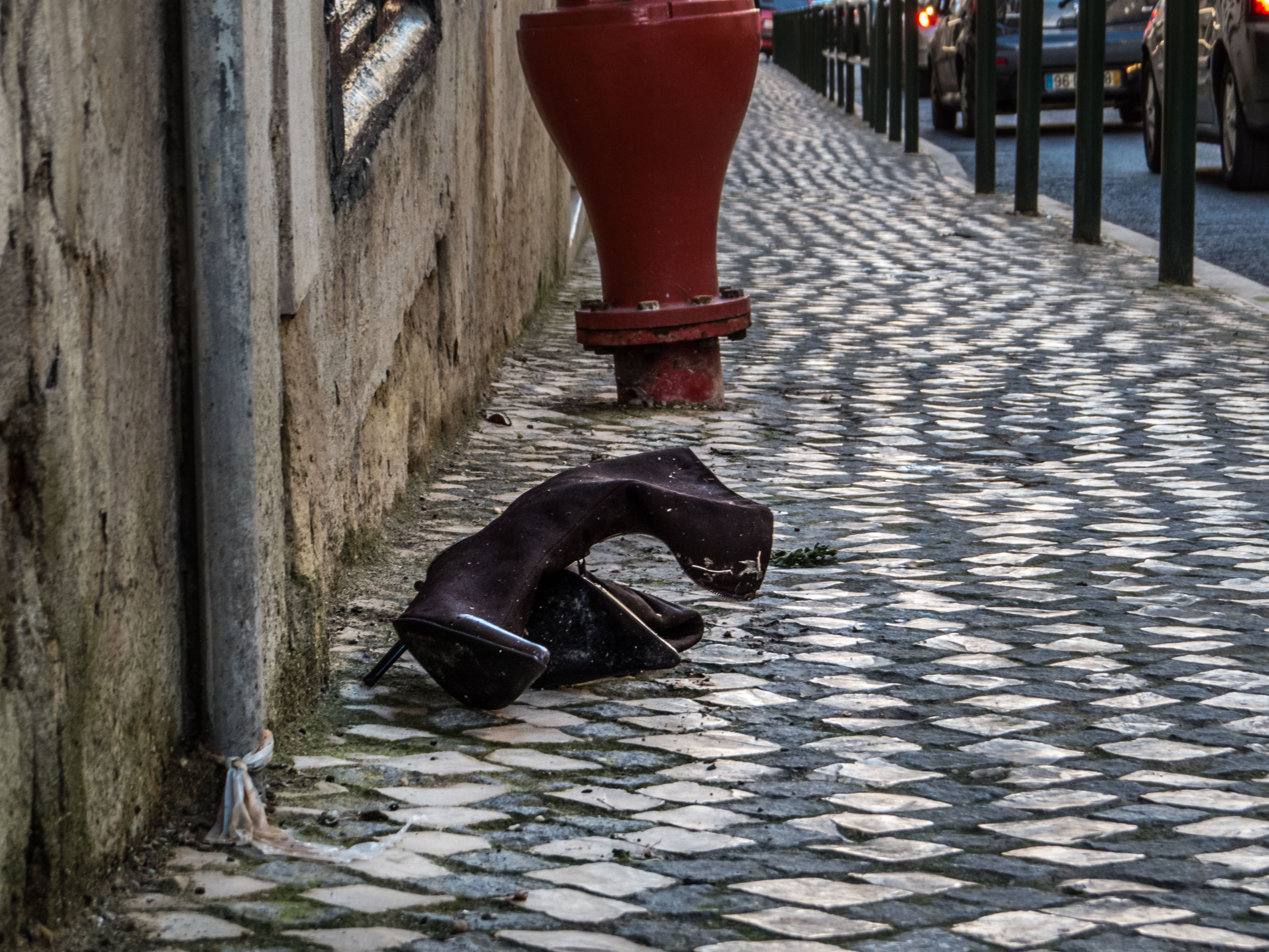 Lost shoes, Road, Portugal, Shoes, Top, HQ Photo