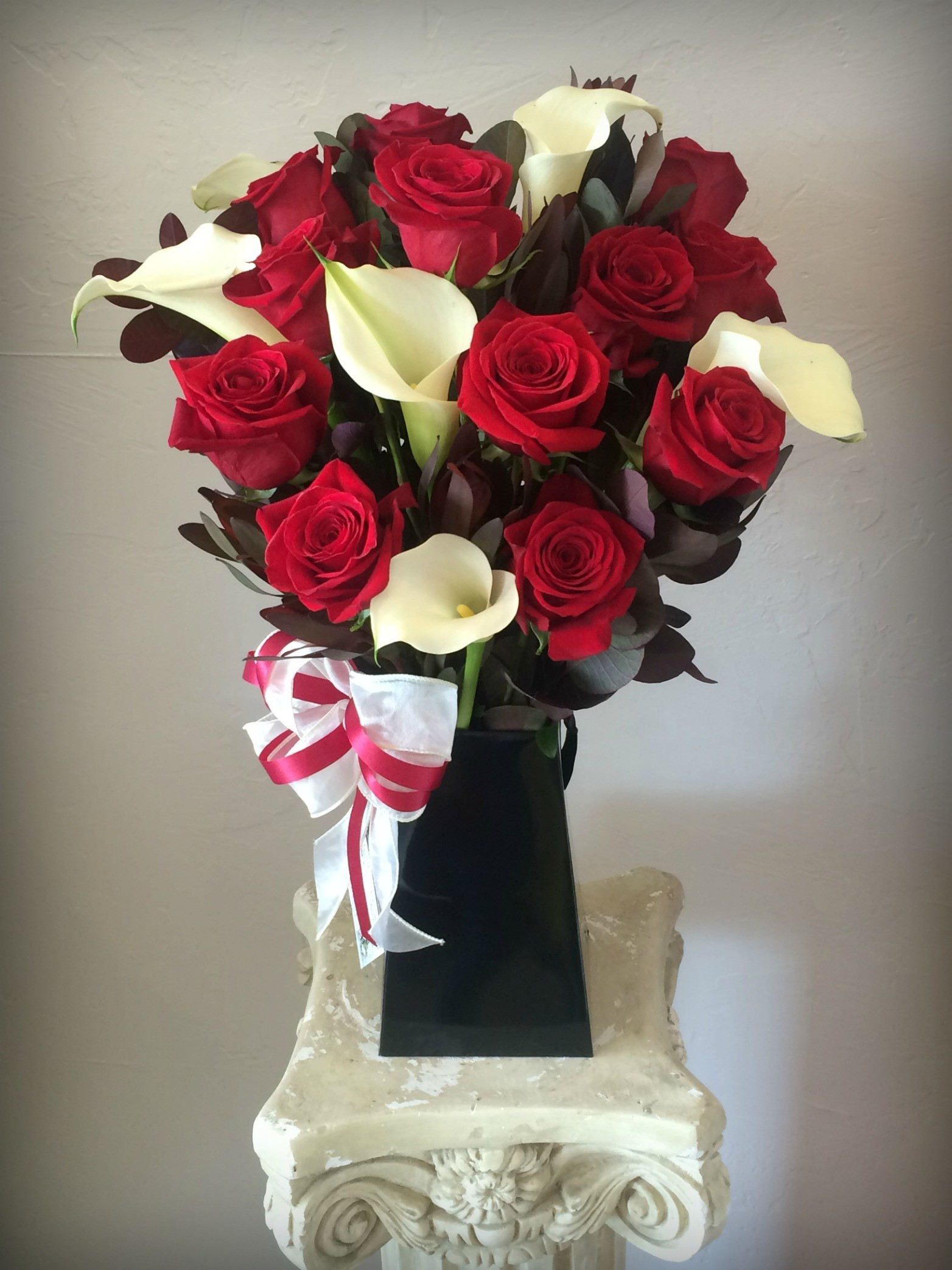 Love and Romance Flower Delivery in Eureka | Mary Hana Flowers
