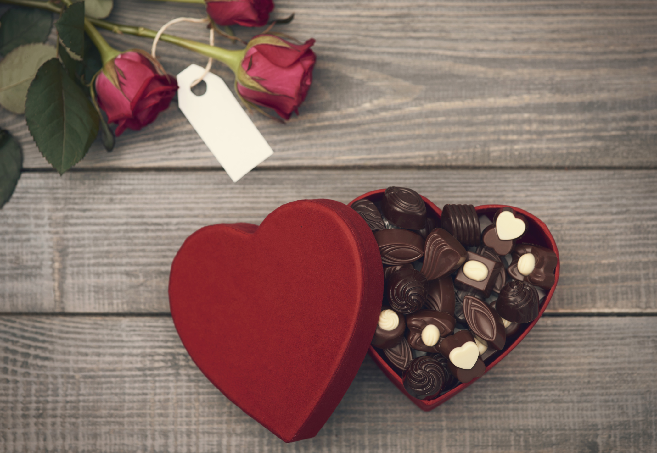 6 Super Reasons (Excuses) To Love Chocolate -
