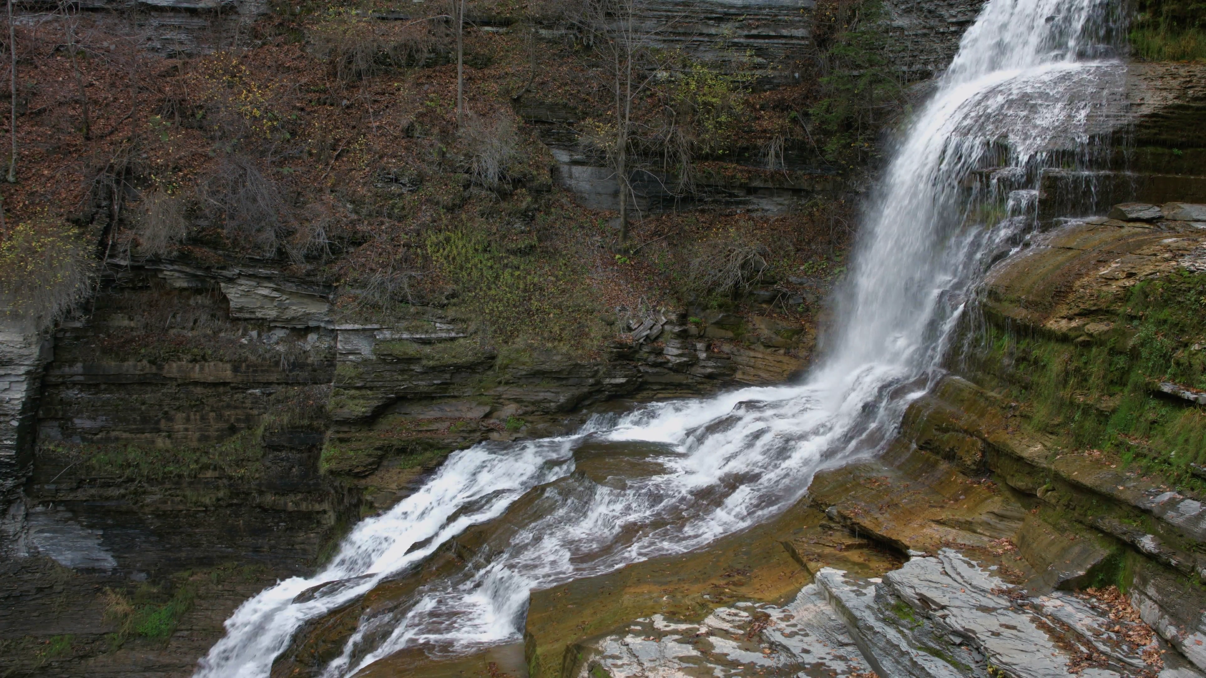 Lucifer Falls Waterfall Ithaca, NY, giant waterfall over rocks Stock ...