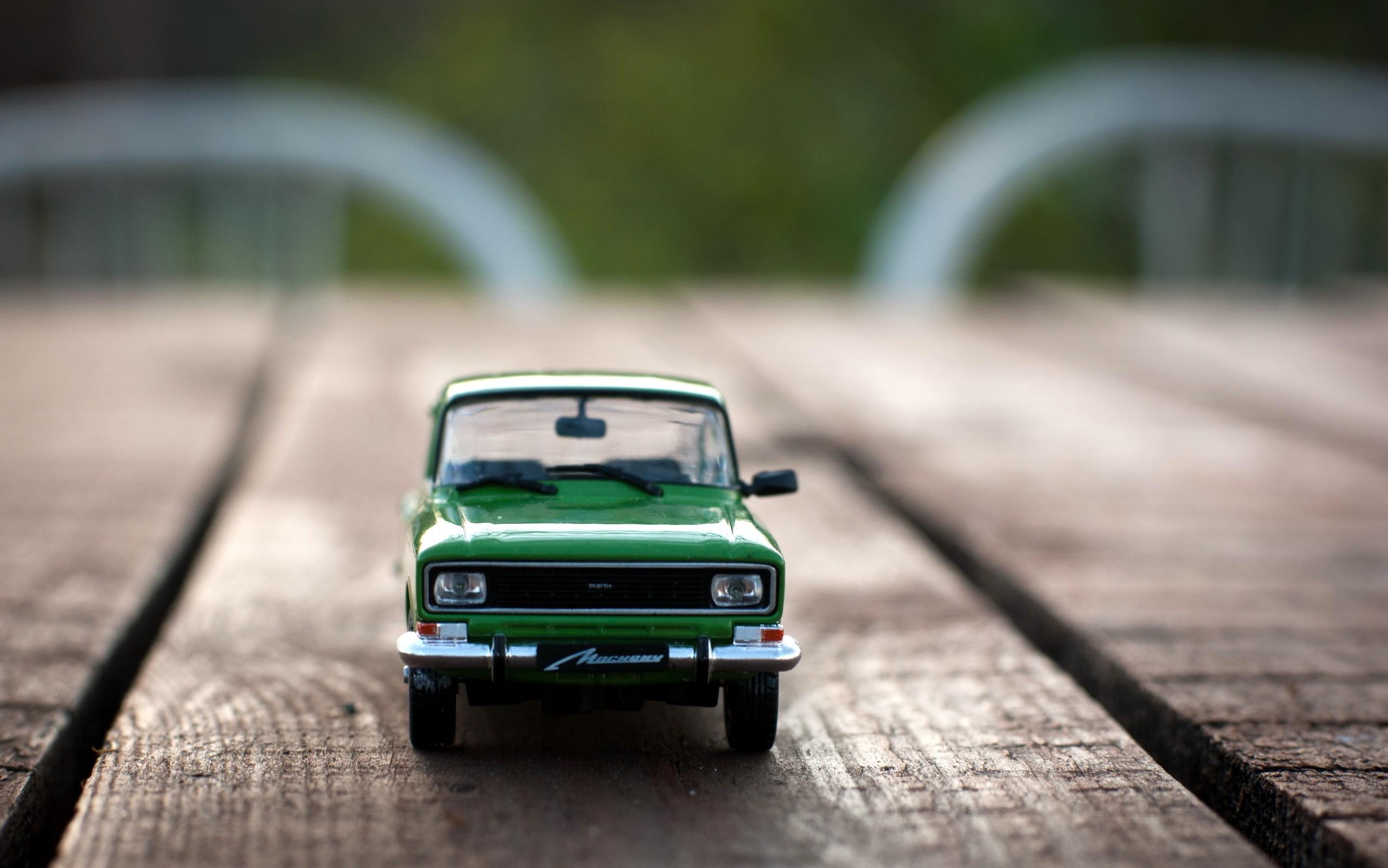 Wood cars soviet toys macro desk izh moskvich blurred background ...