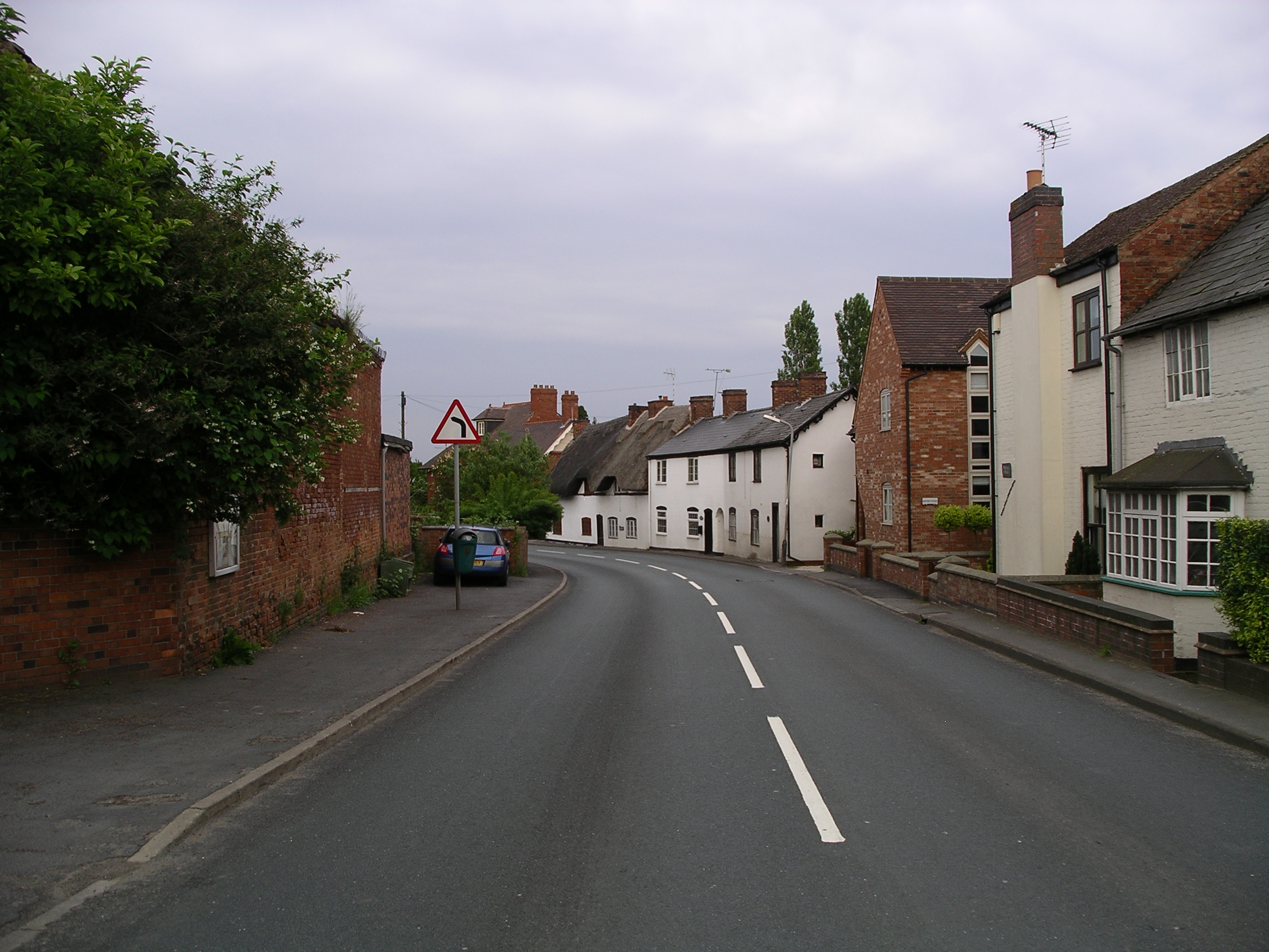 File:Ansty -Warwickshire -main road -6j08.jpg - Wikimedia Commons