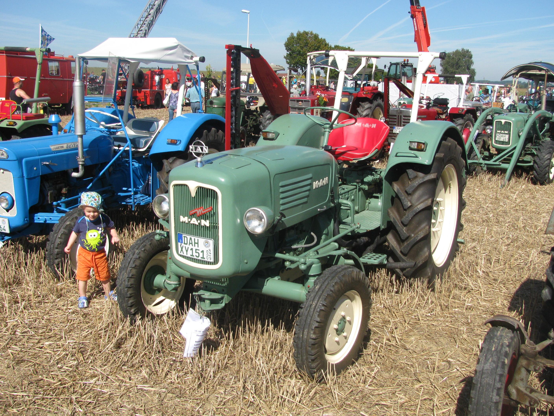 File:MAN tractor 1961 Bulldogtreffen 2012.JPG - Wikimedia Commons