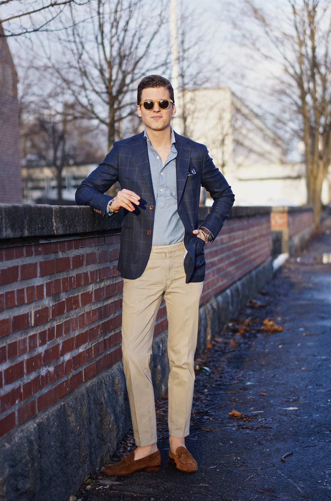 Sportcoat: Cavaliere CEO, Popover: Owen James, Trousers: Incotex ...