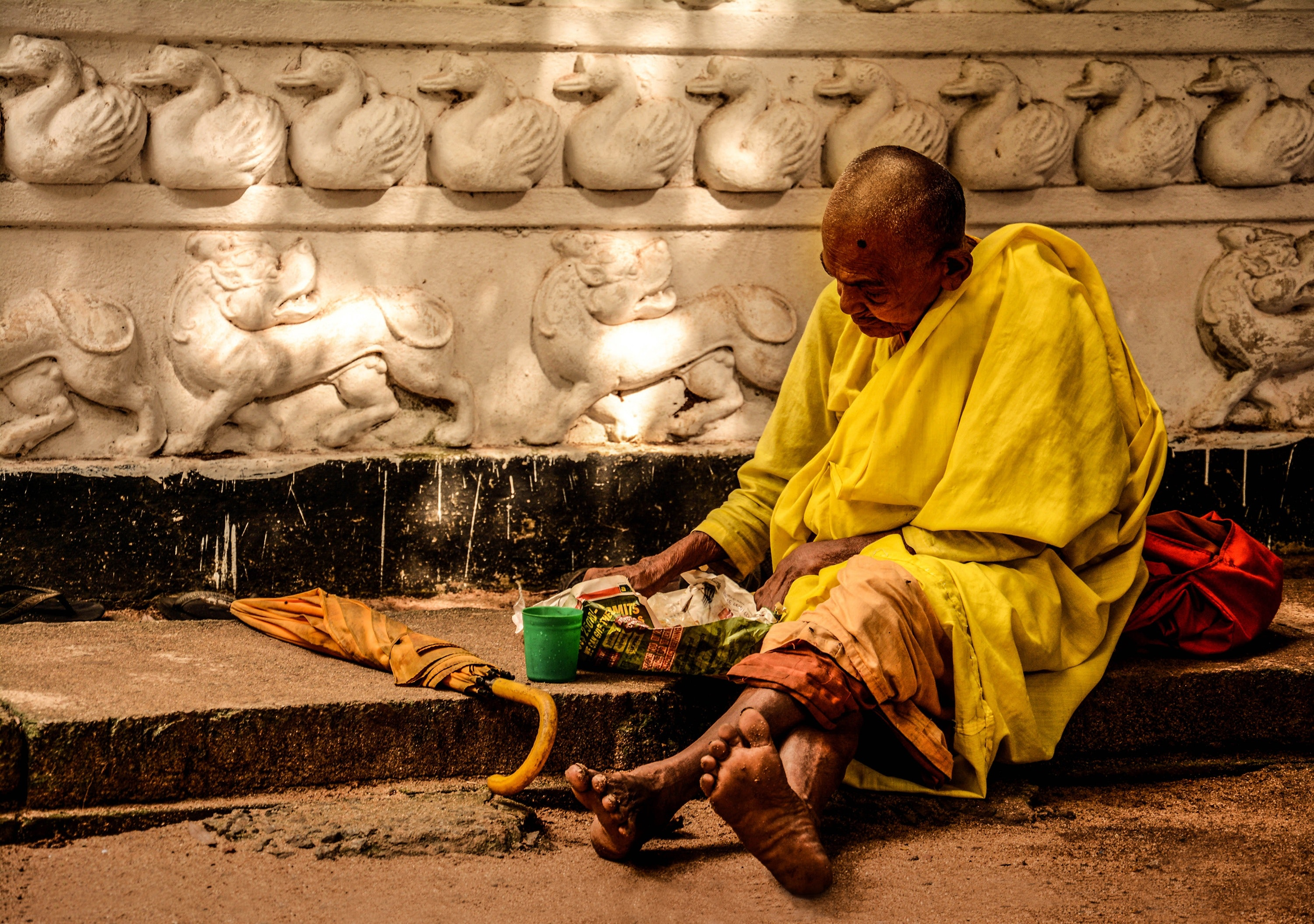 Man in Yellow Sitting Outside during Daytime, Sad, Poverty, Religion, Street, HQ Photo