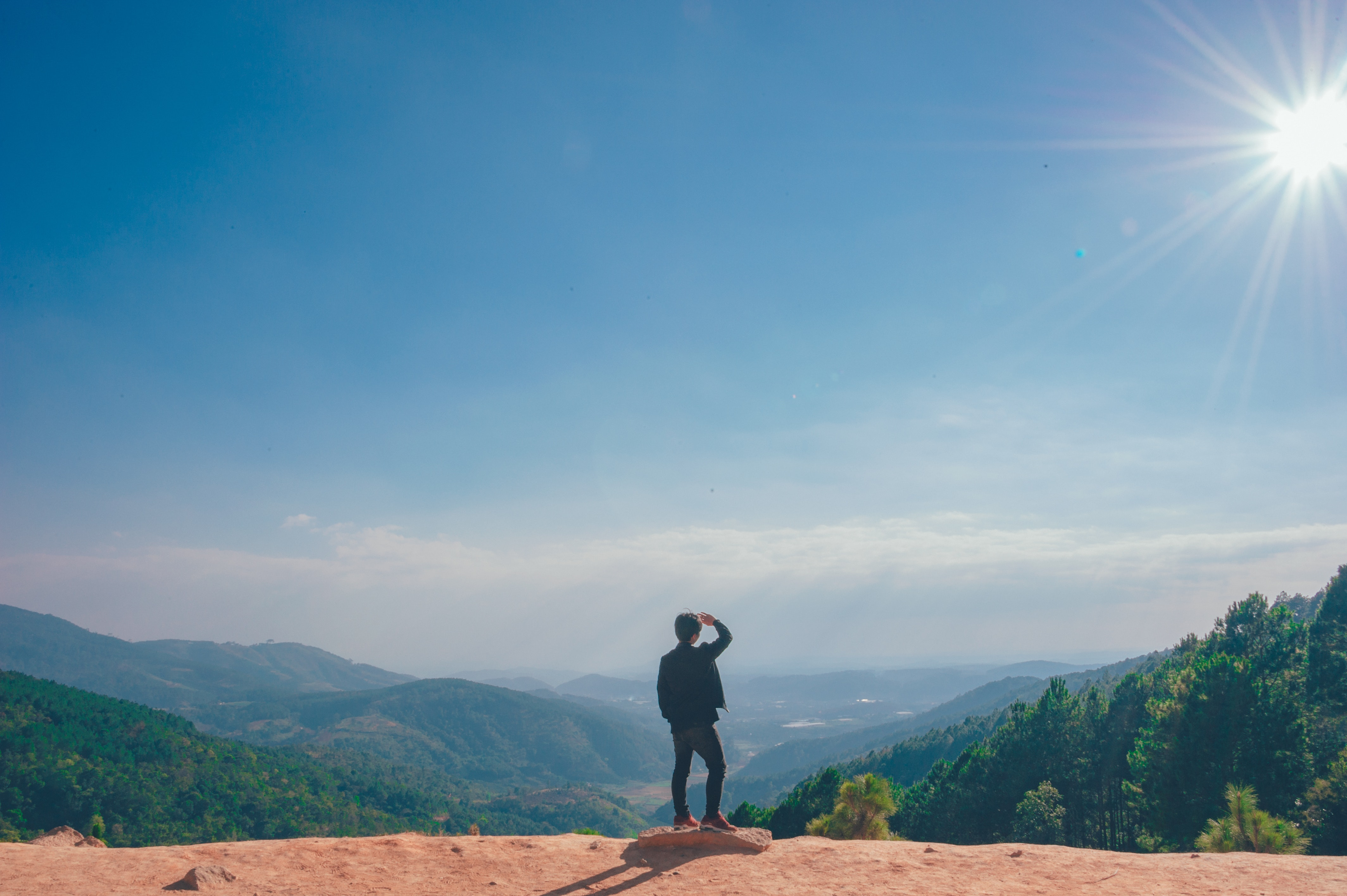 Man Looking on the Cliff, Clouds, Person, Sunrays, Sunlight, HQ Photo
