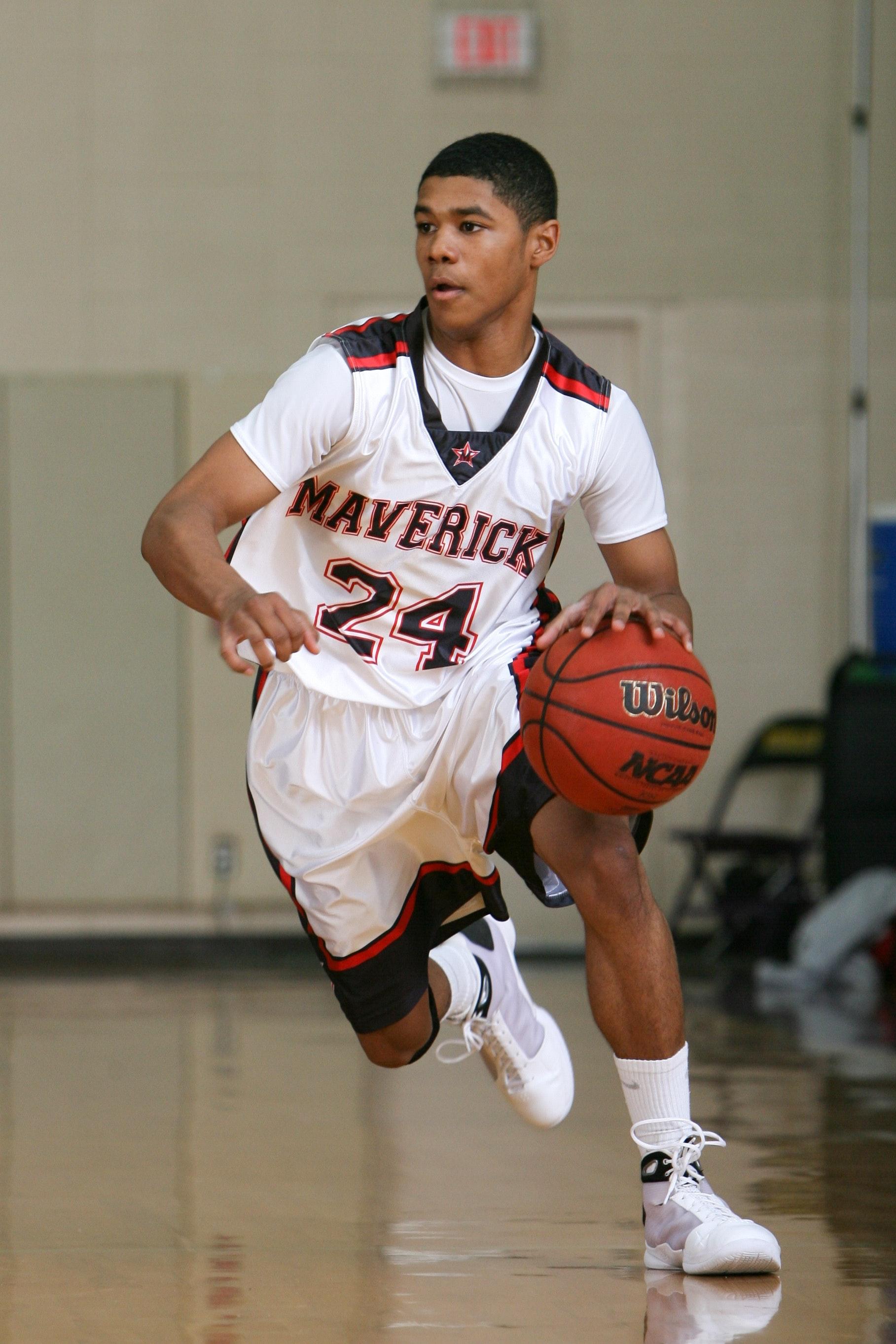 Man Playing Basketballwilson, Athlete, Athletic, Ball, Basketball, HQ Photo