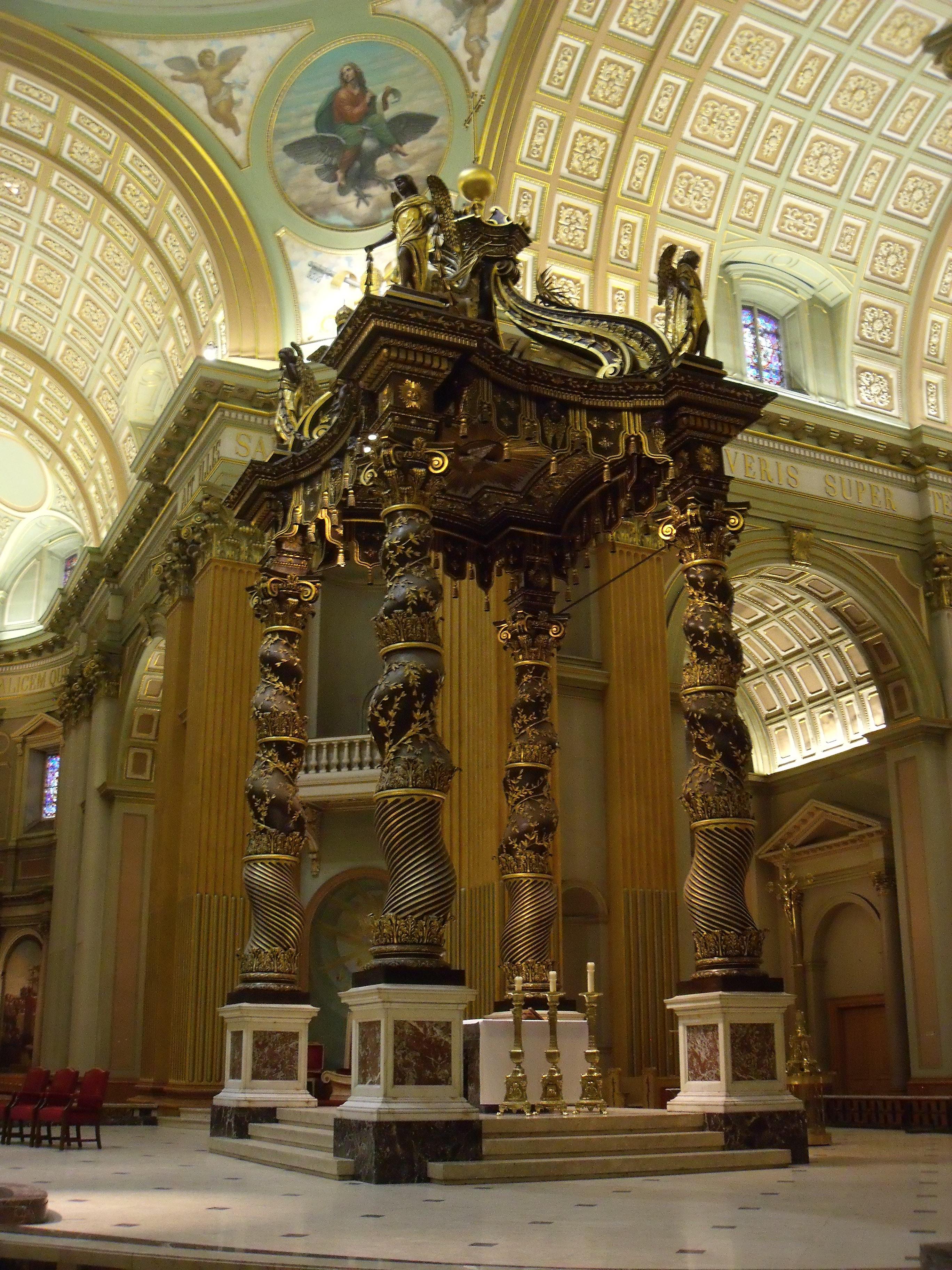 File:Baldaquin - Cathédrale Marie-Reine-du-Monde.JPG - Wikimedia Commons