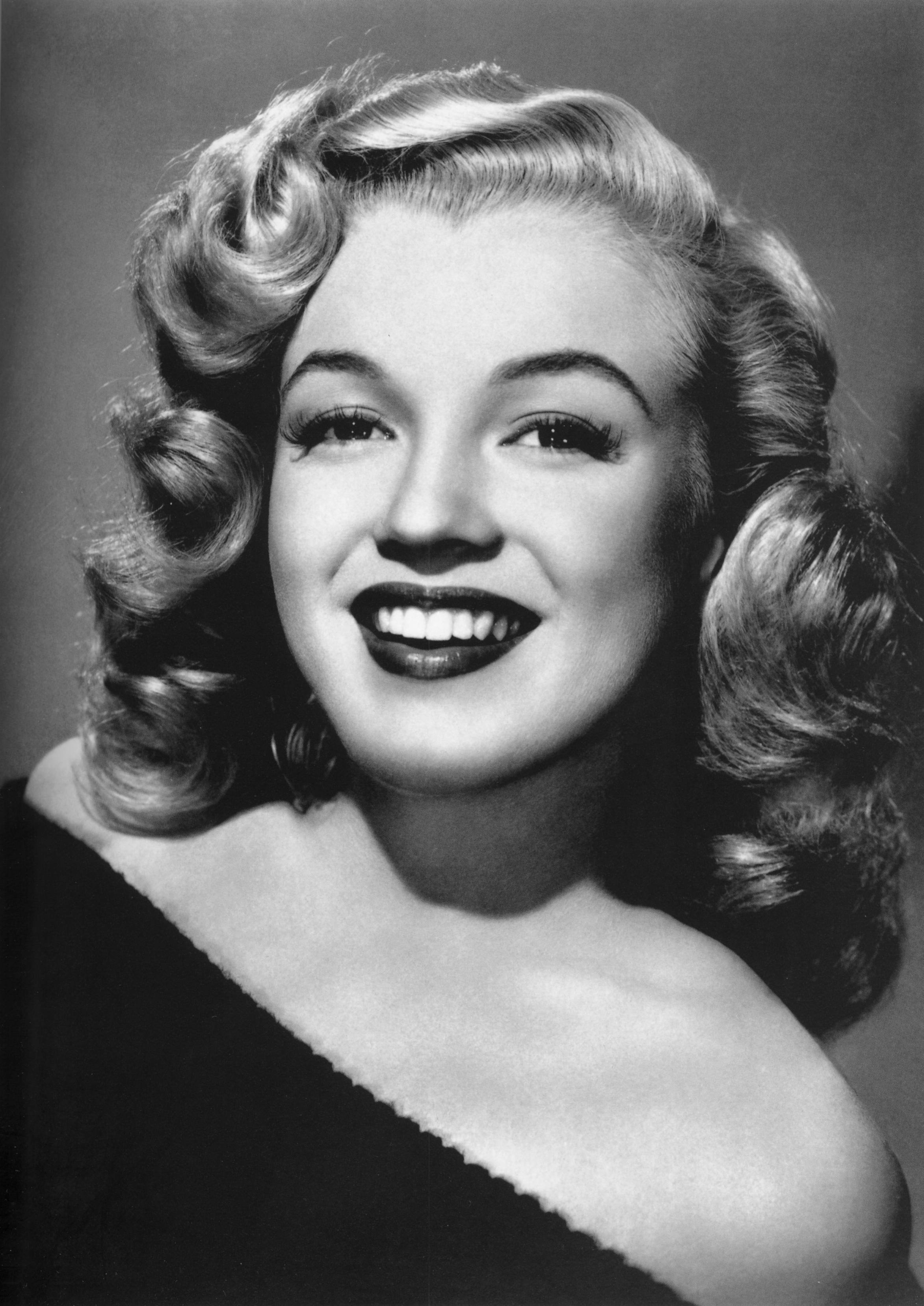 Marilyn monroe person woman portrait hollywood hq photo