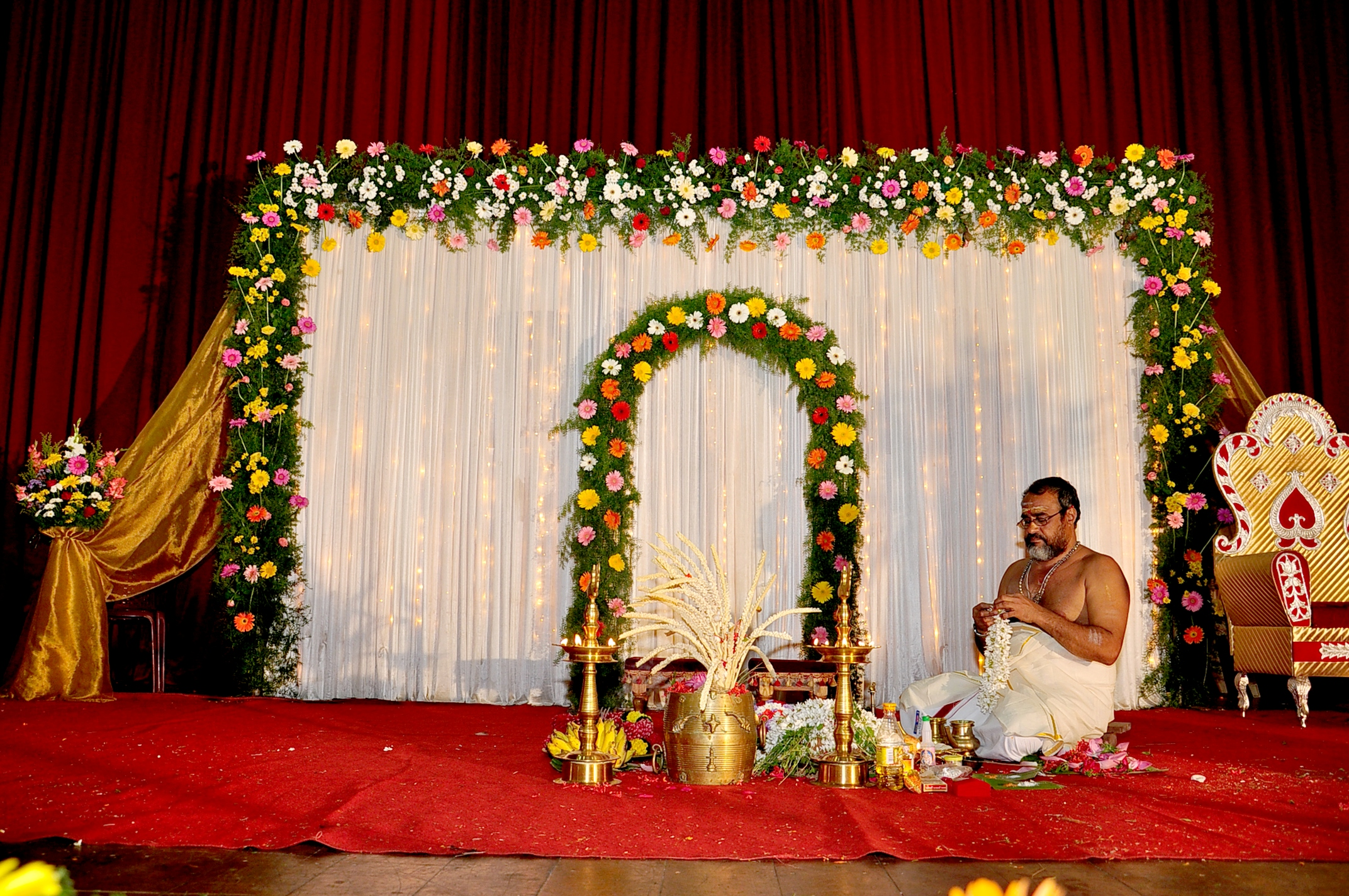 Elegant Simple Wedding Stage Decoration Kerala