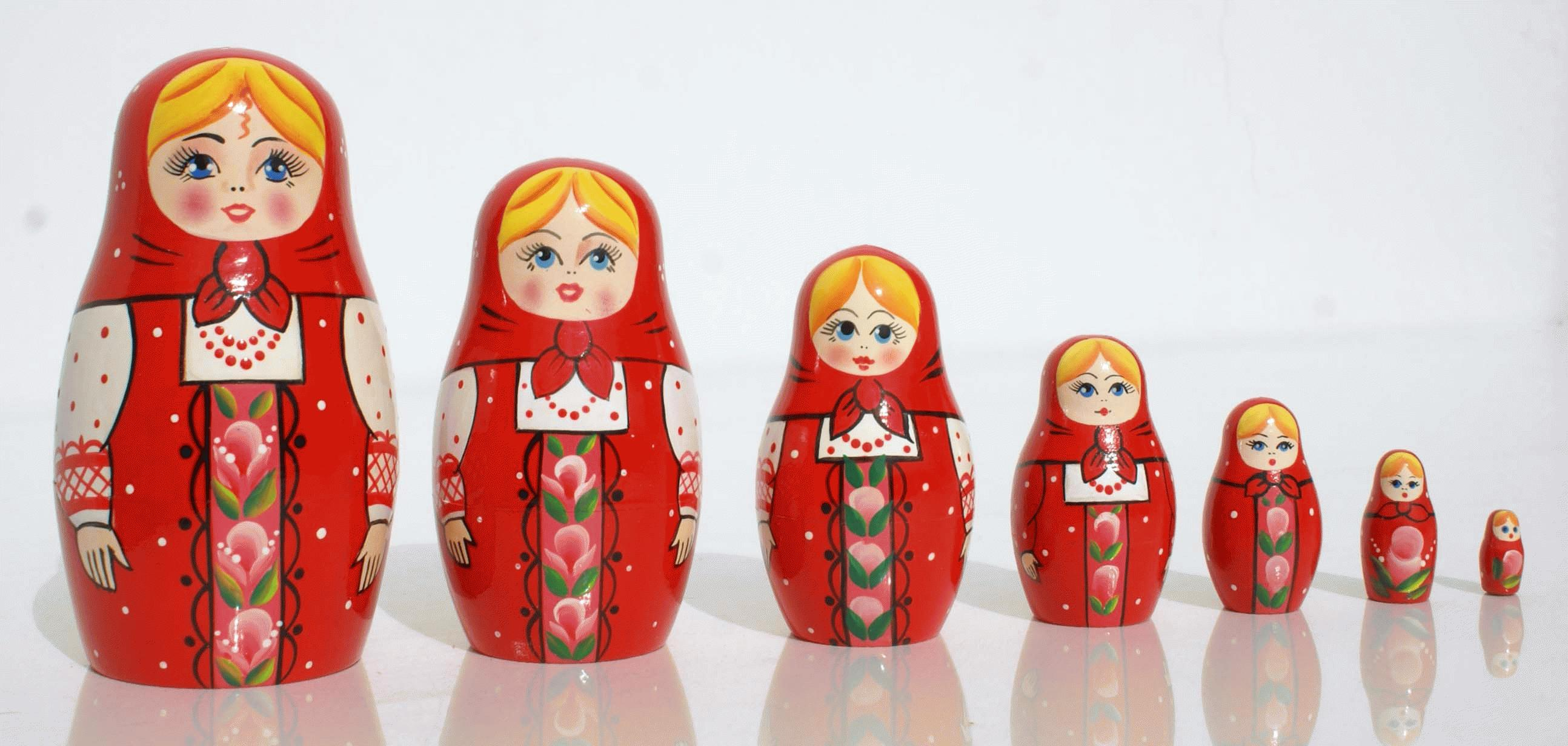 Matrioshka dolls photo
