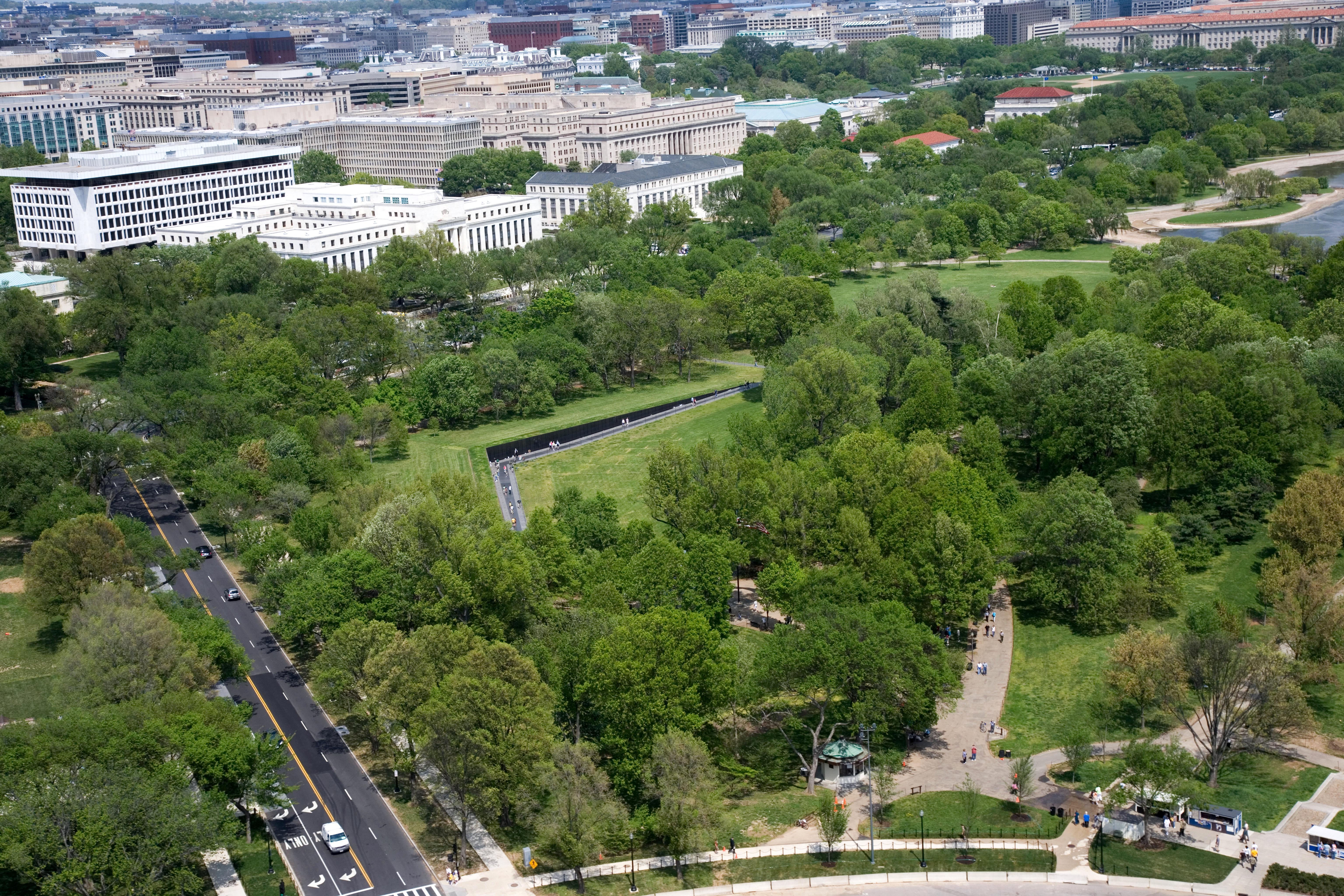 File:Aerial view of Vietnam Veterans Memorial.jpg - Wikimedia Commons