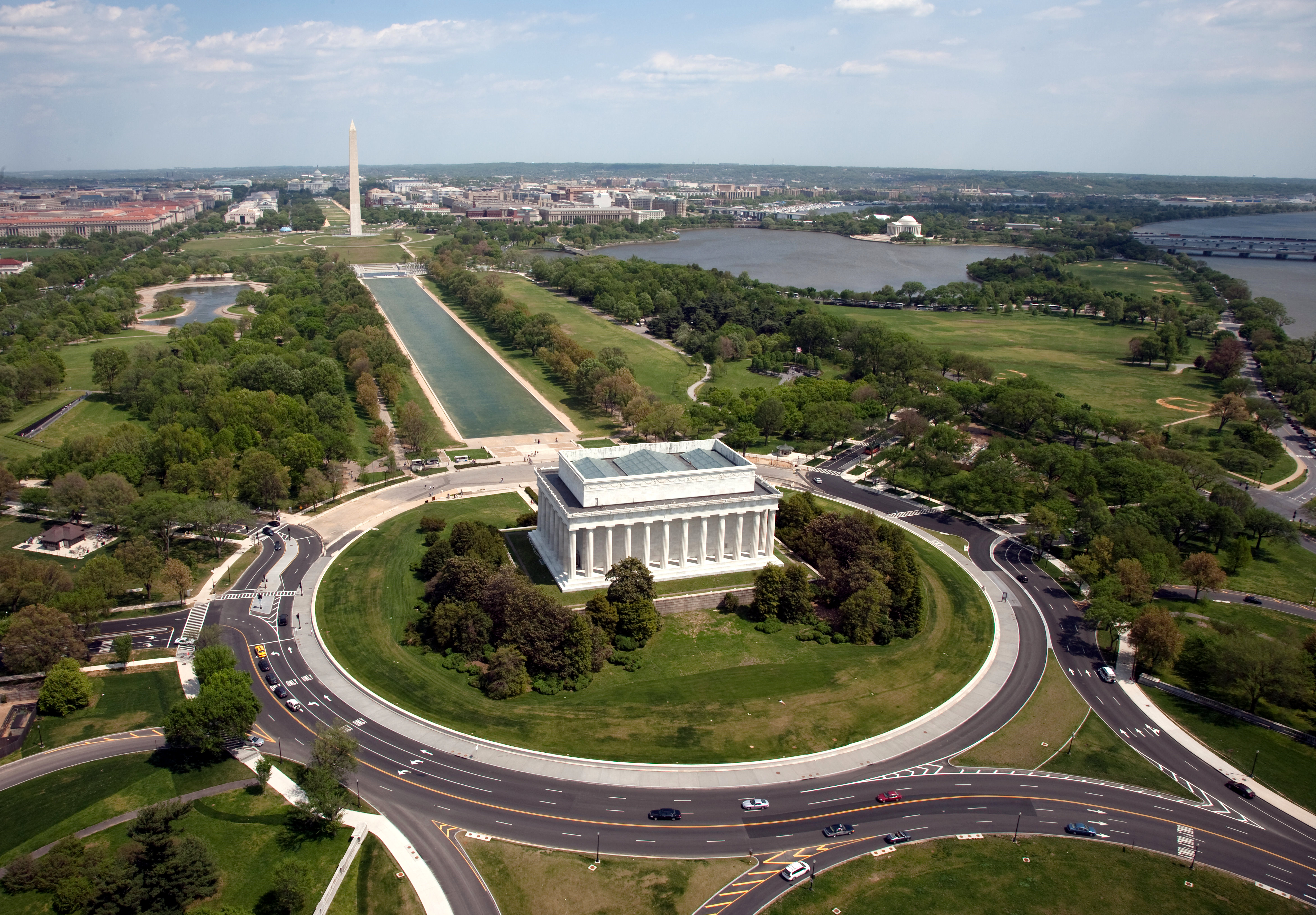 File:Aerial view of Lincoln Memorial - west side.jpg - Wikimedia Commons