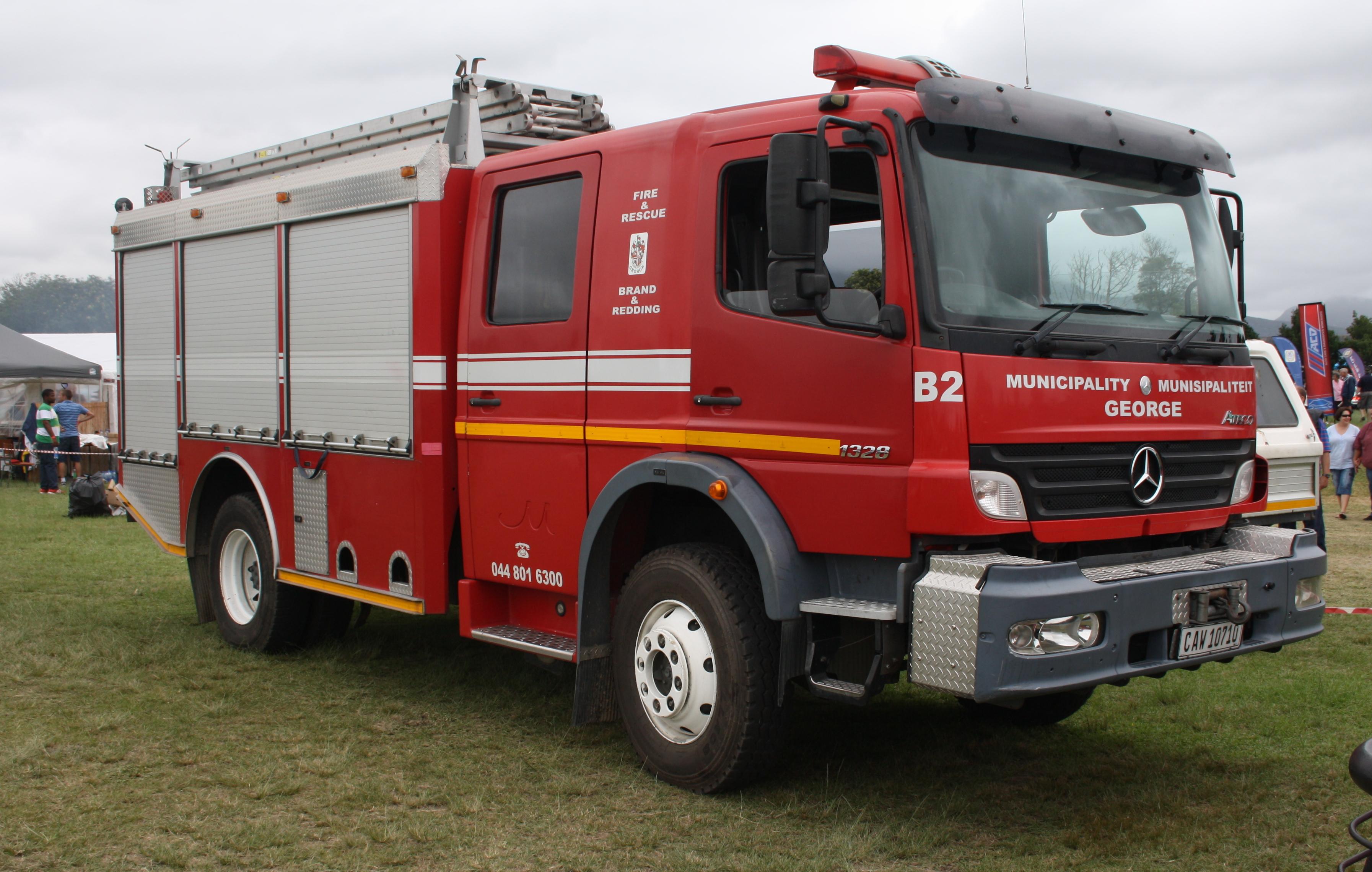 File:Mercedes Benz Atego 1328 Fire Truck (12405245165).jpg ...
