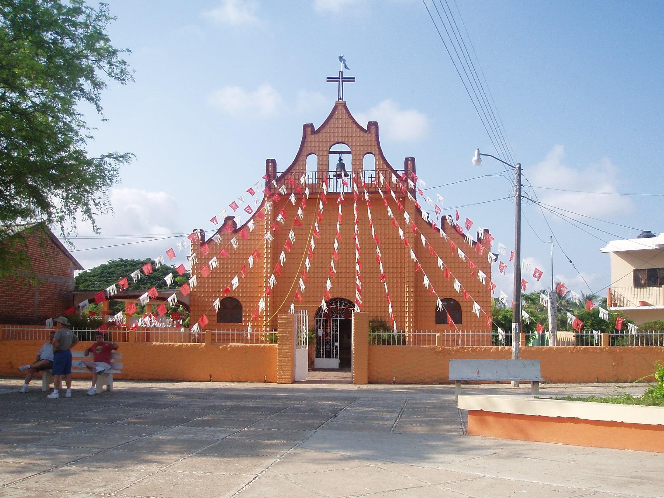 File:Mexican church.JPG - Wikimedia Commons