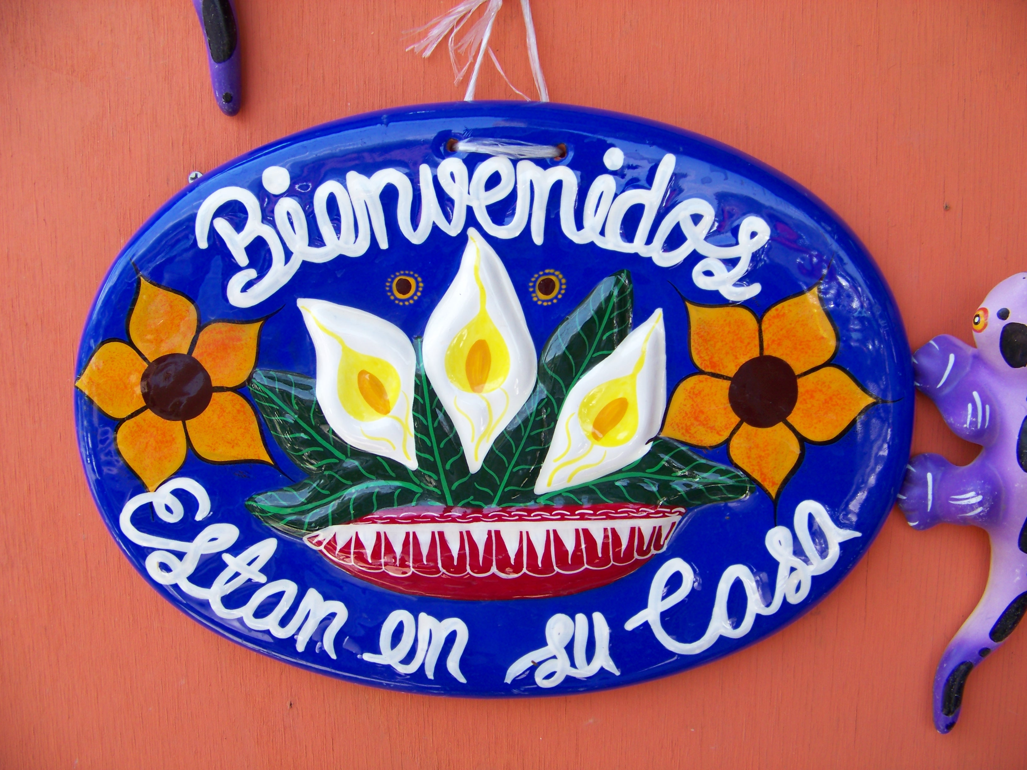 Mexican welcome sign, Word, Ornate, Wooden, White, HQ Photo
