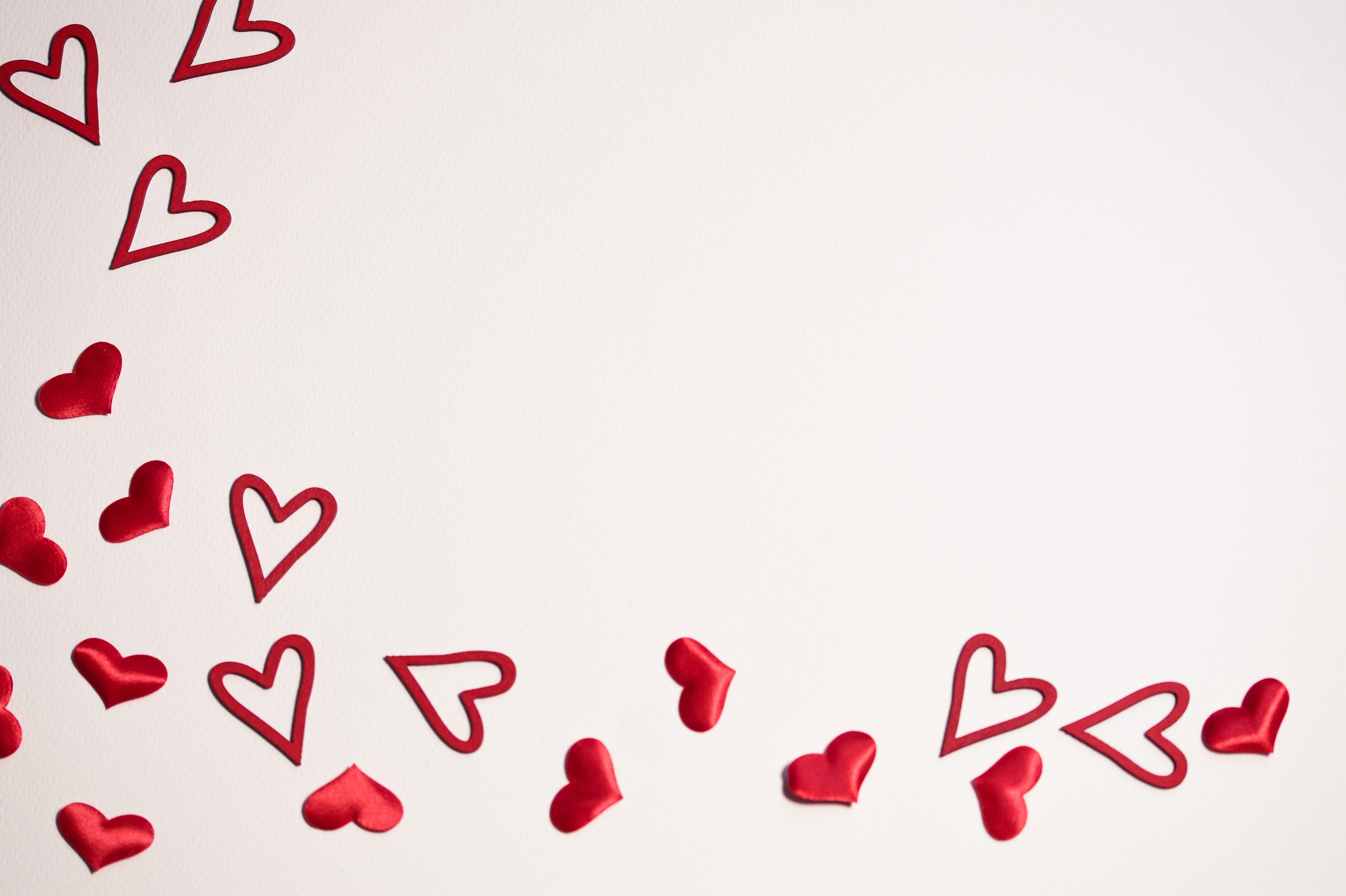 Mini red hearts wallpaper photo