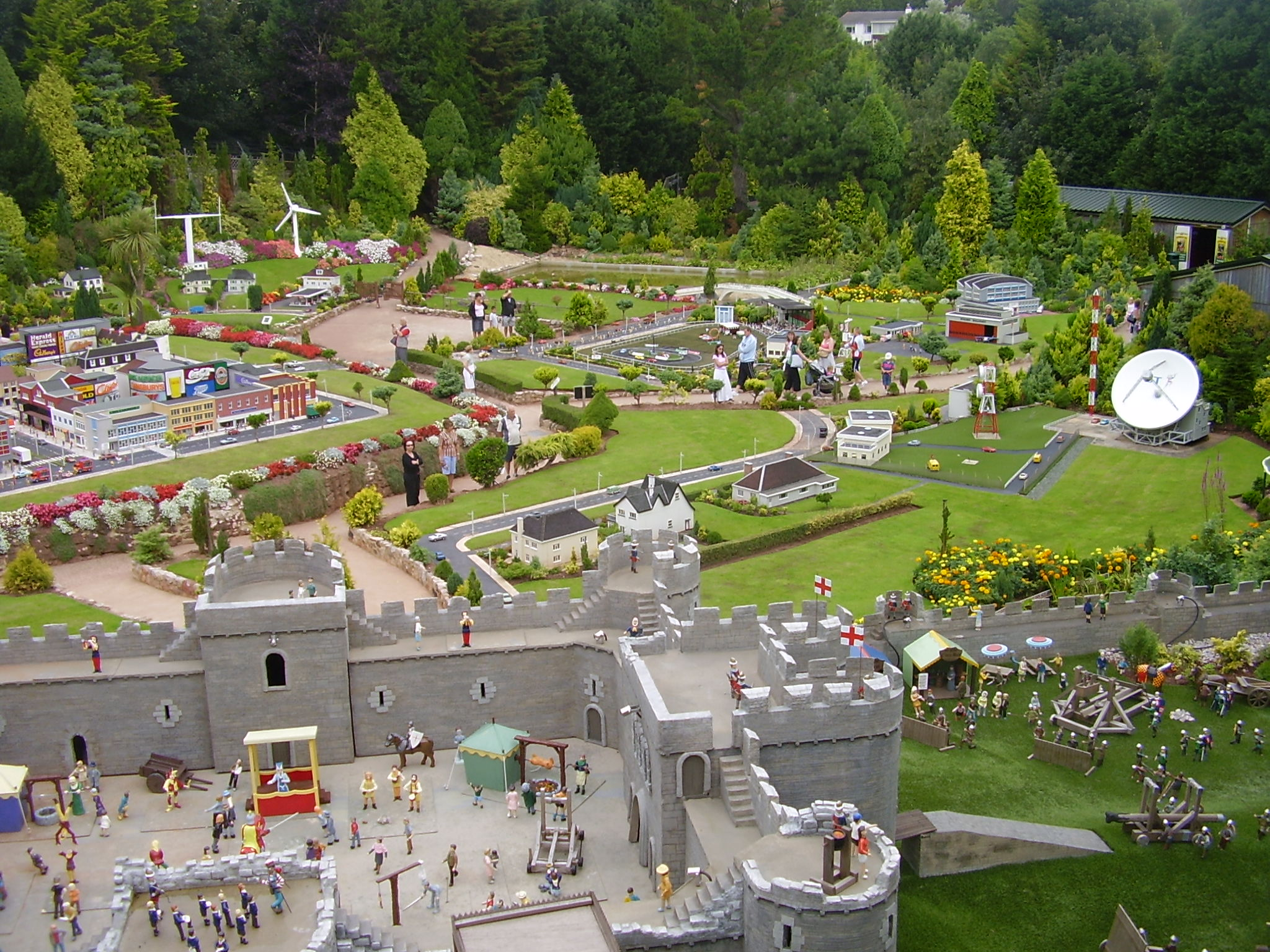 File:Babacombe Model Village Overview.jpg - Wikimedia Commons