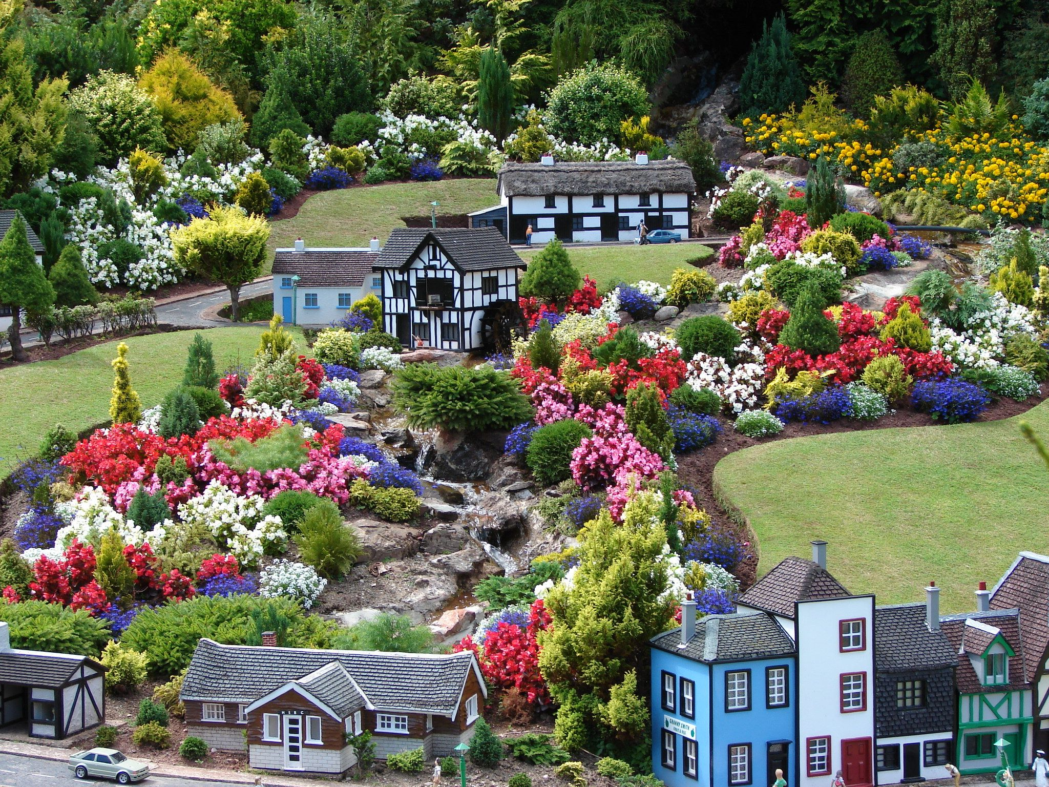 summer flowers babbacombe model village torquay | Fairy Gardens ...