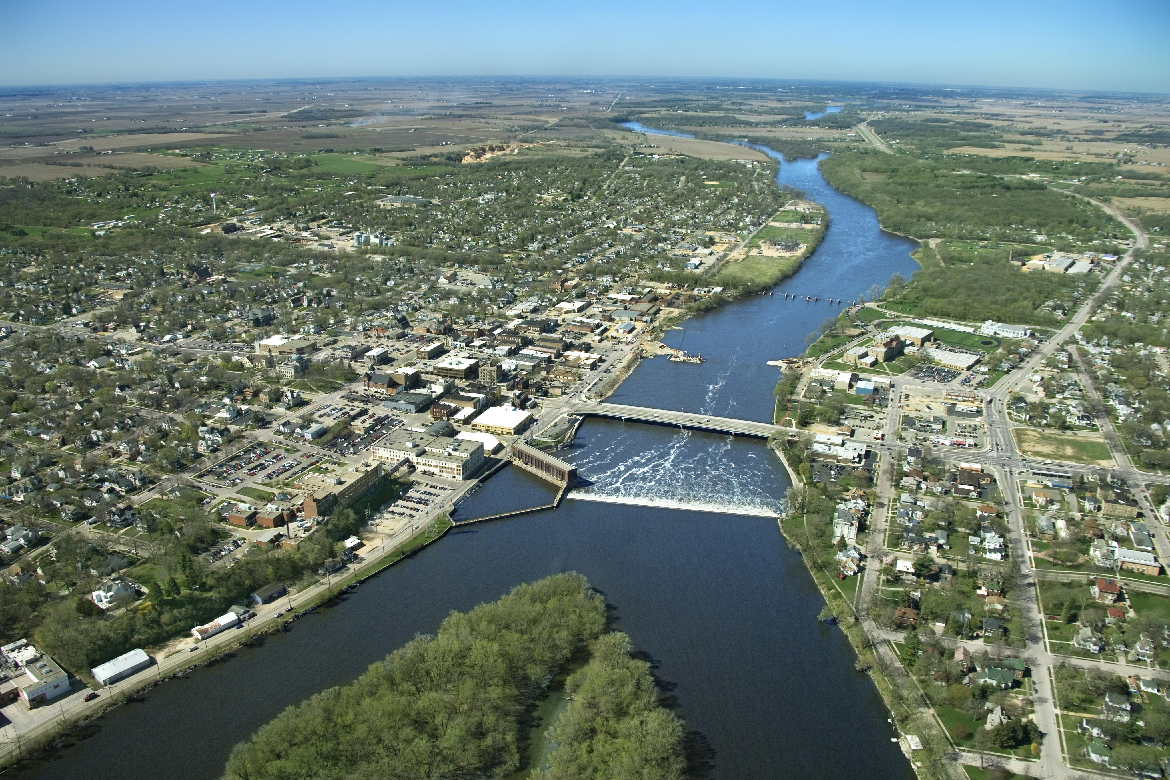 aerial-view-of-mississippi-river-iowa - Iowa Pictures - Iowa ...