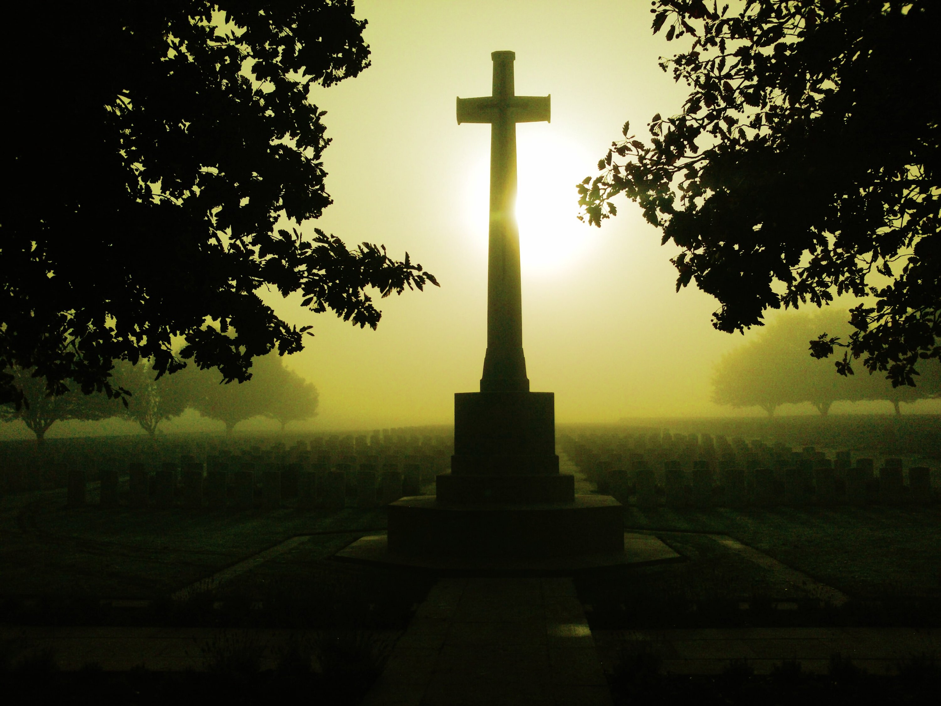 Misty Dawn On The Somme, Battlefield, Grave, War, Somme, HQ Photo