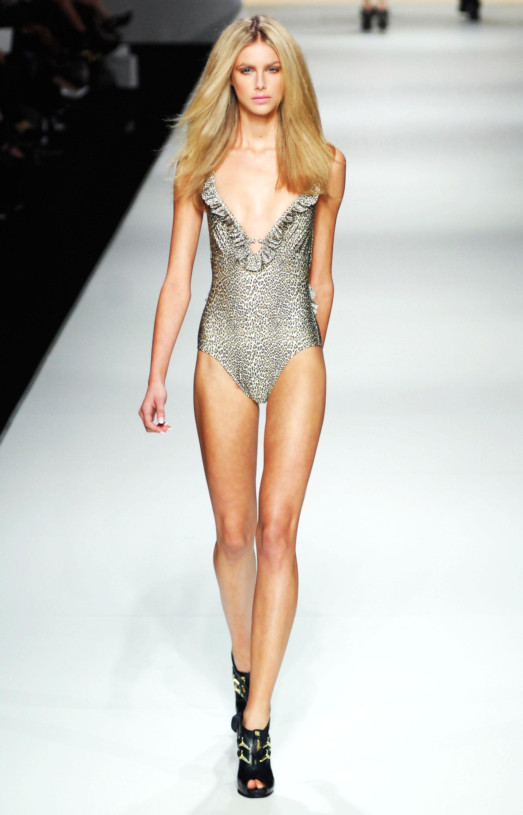 Size 0 Models Banned At Paris Fashion Week