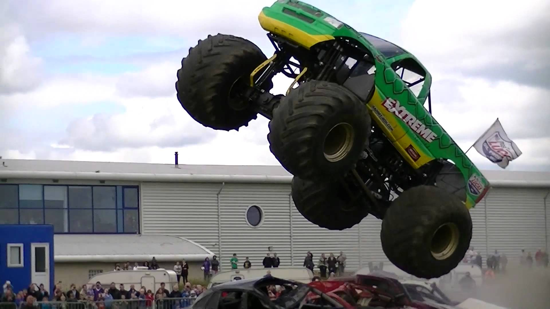 Extreme Monster Truck Second Jump in Realtime and Slow Motion at the ...